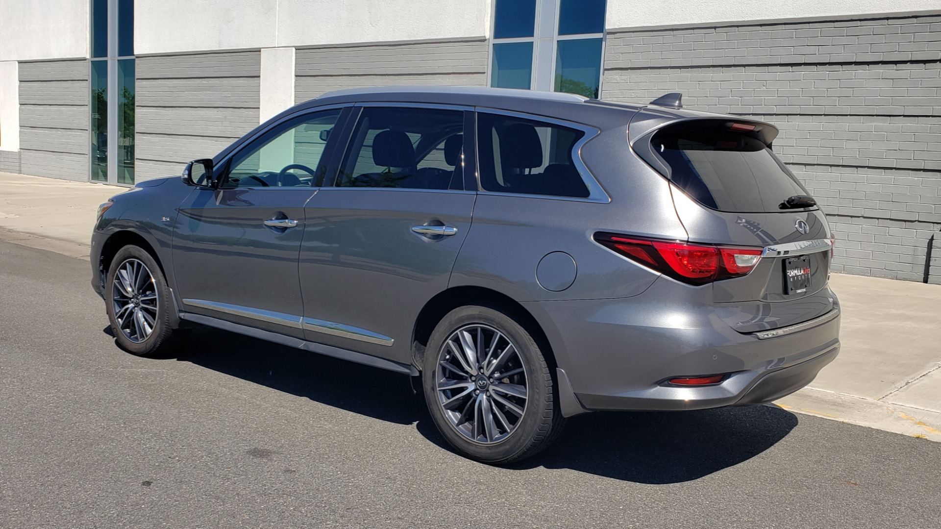 Used 2018 INFINITI QX60 3.5L V6 / FWD / CVT TRANS / NAV / SUNROOF / 3-ROWS / REARVIEW for sale $31,999 at Formula Imports in Charlotte NC 28227 6