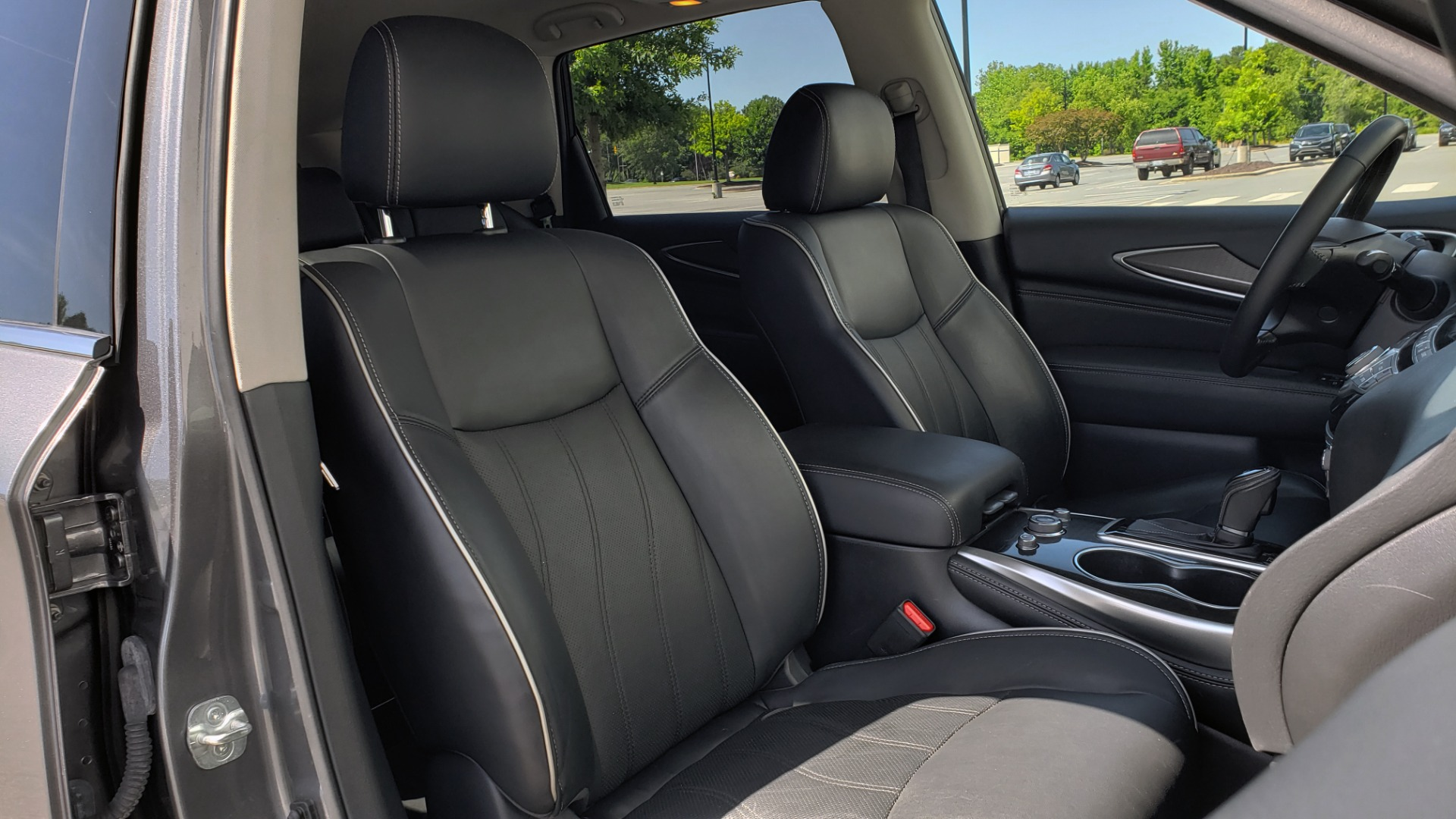 Used 2018 INFINITI QX60 3.5L V6 / FWD / CVT TRANS / NAV / SUNROOF / 3-ROWS / REARVIEW for sale $31,999 at Formula Imports in Charlotte NC 28227 71