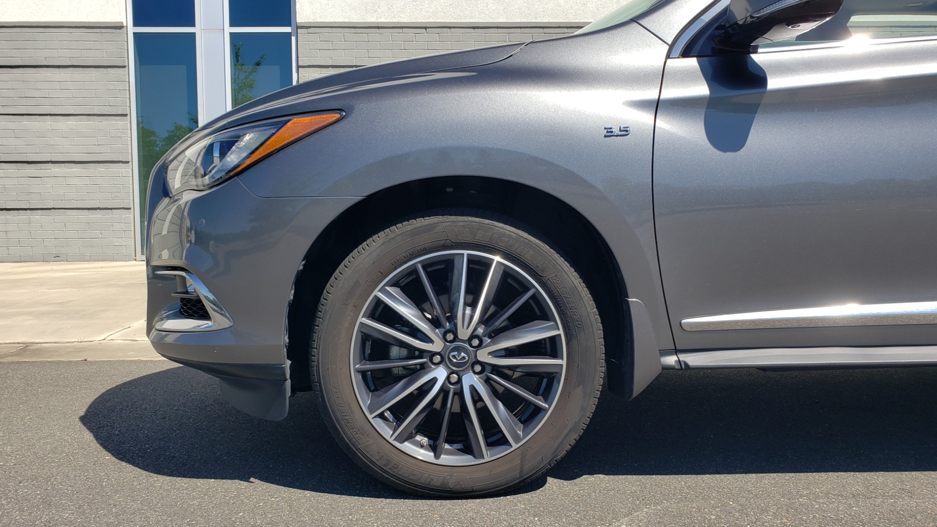 Used 2018 INFINITI QX60 3.5L V6 / FWD / CVT TRANS / NAV / SUNROOF / 3-ROWS / REARVIEW for sale $31,999 at Formula Imports in Charlotte NC 28227 83