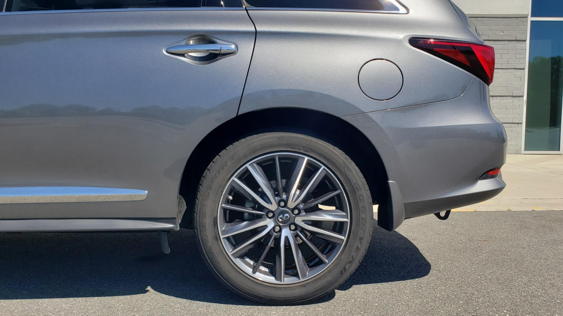 Used 2018 INFINITI QX60 3.5L V6 / FWD / CVT TRANS / NAV / SUNROOF / 3-ROWS / REARVIEW for sale $31,999 at Formula Imports in Charlotte NC 28227 84