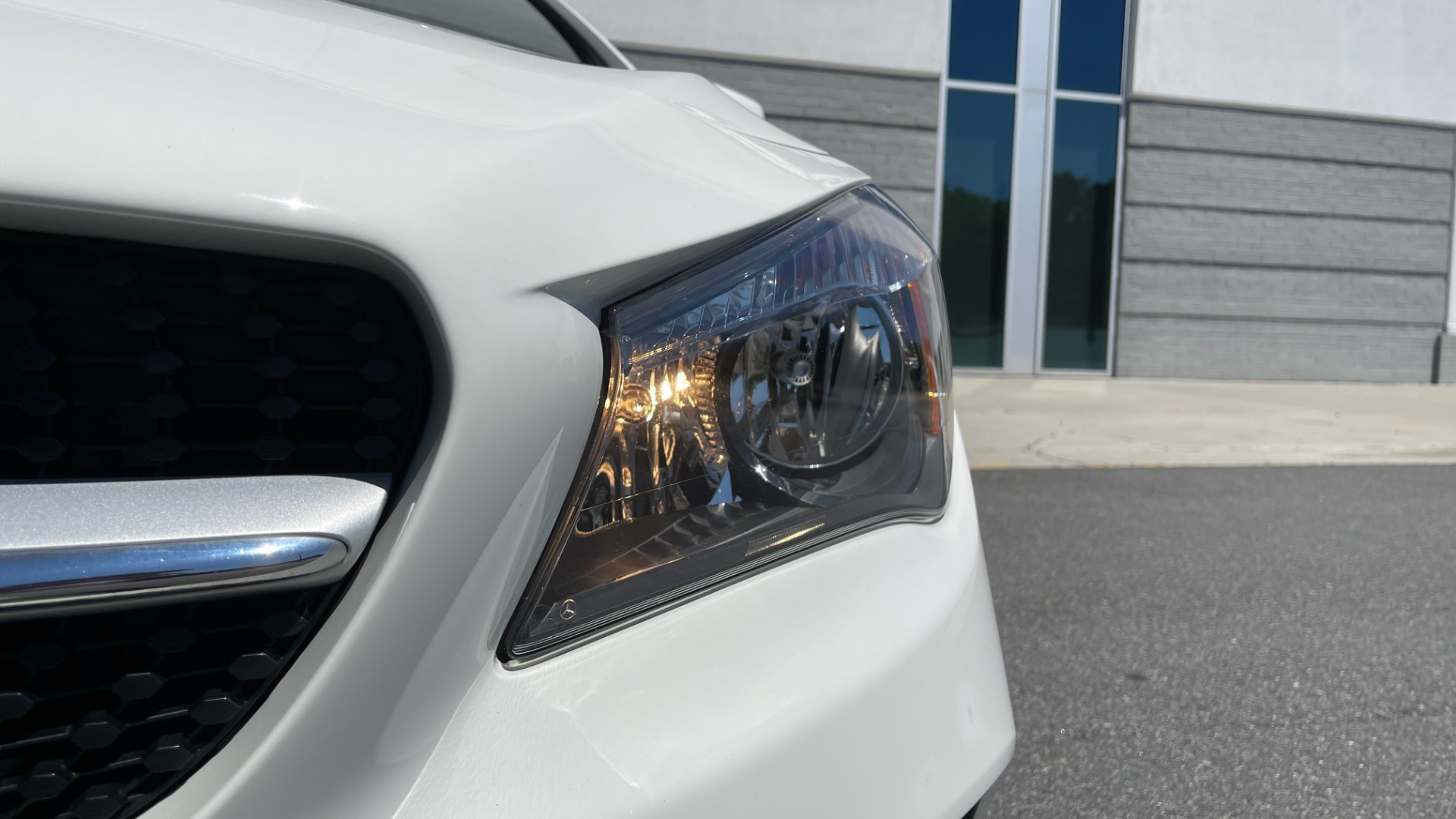 Used 2018 Mercedes-Benz CLA 250 PREMIUM / CONV PKG / APPLE / PANO-ROOF / REARVIEW for sale $29,795 at Formula Imports in Charlotte NC 28227 14