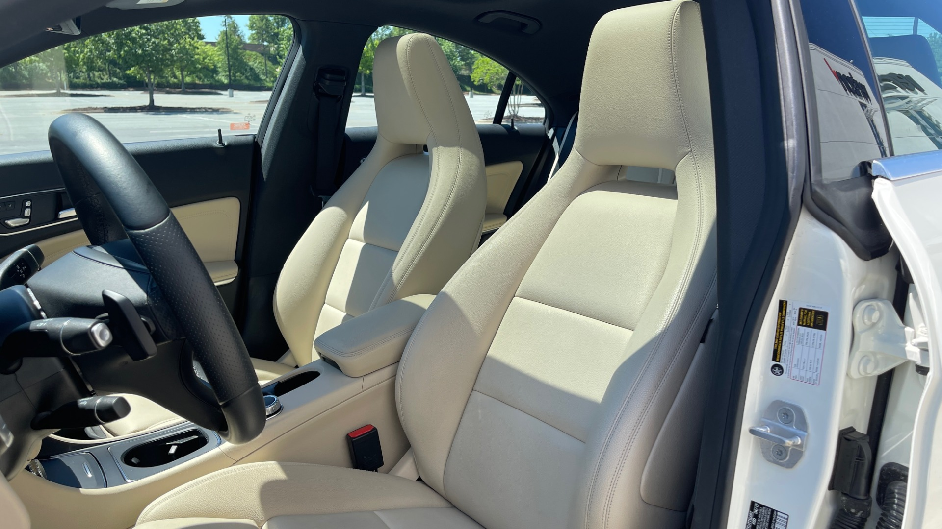 Used 2018 Mercedes-Benz CLA 250 PREMIUM / CONV PKG / APPLE / PANO-ROOF / REARVIEW for sale $29,795 at Formula Imports in Charlotte NC 28227 30