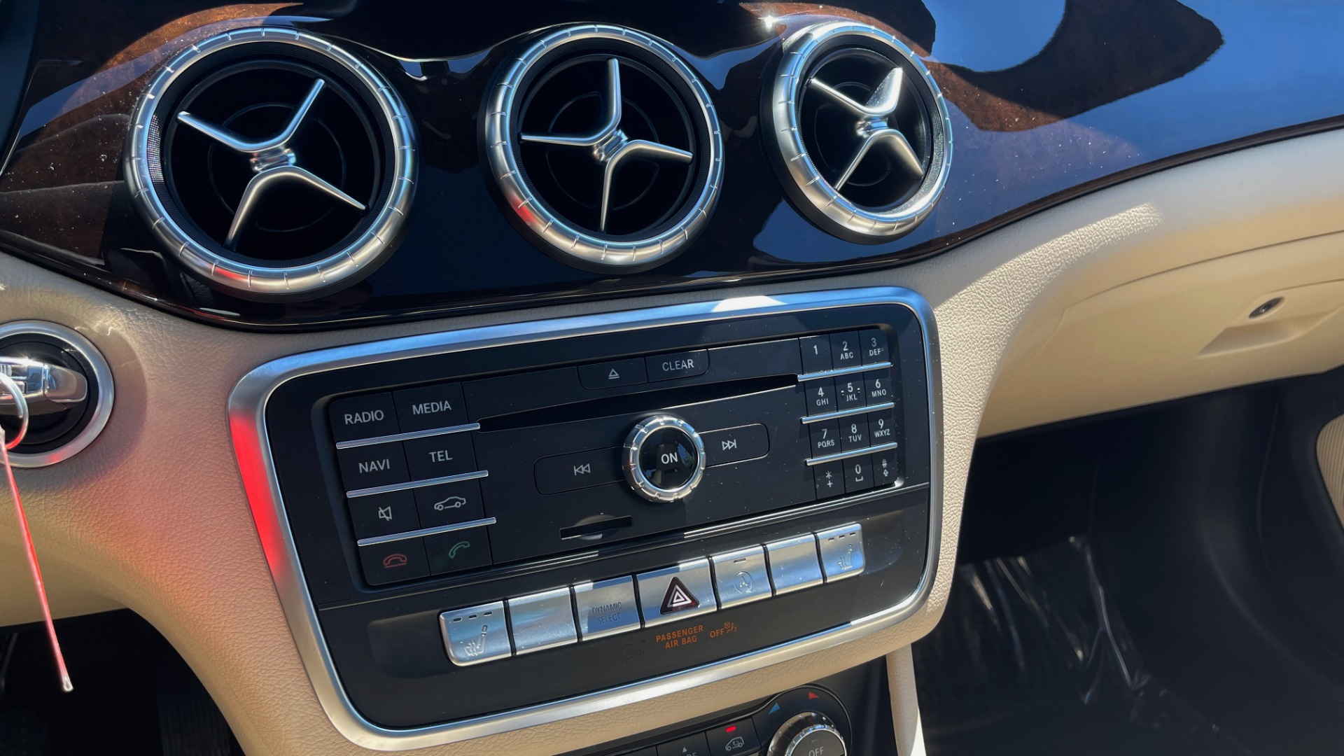 Used 2018 Mercedes-Benz CLA 250 PREMIUM / CONV PKG / APPLE / PANO-ROOF / REARVIEW for sale $29,795 at Formula Imports in Charlotte NC 28227 43