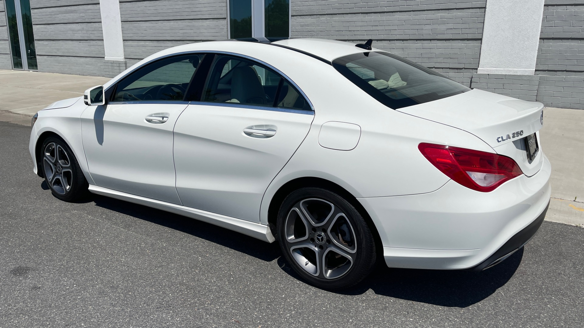 Used 2018 Mercedes-Benz CLA 250 PREMIUM / CONV PKG / APPLE / PANO-ROOF / REARVIEW for sale $29,795 at Formula Imports in Charlotte NC 28227 5