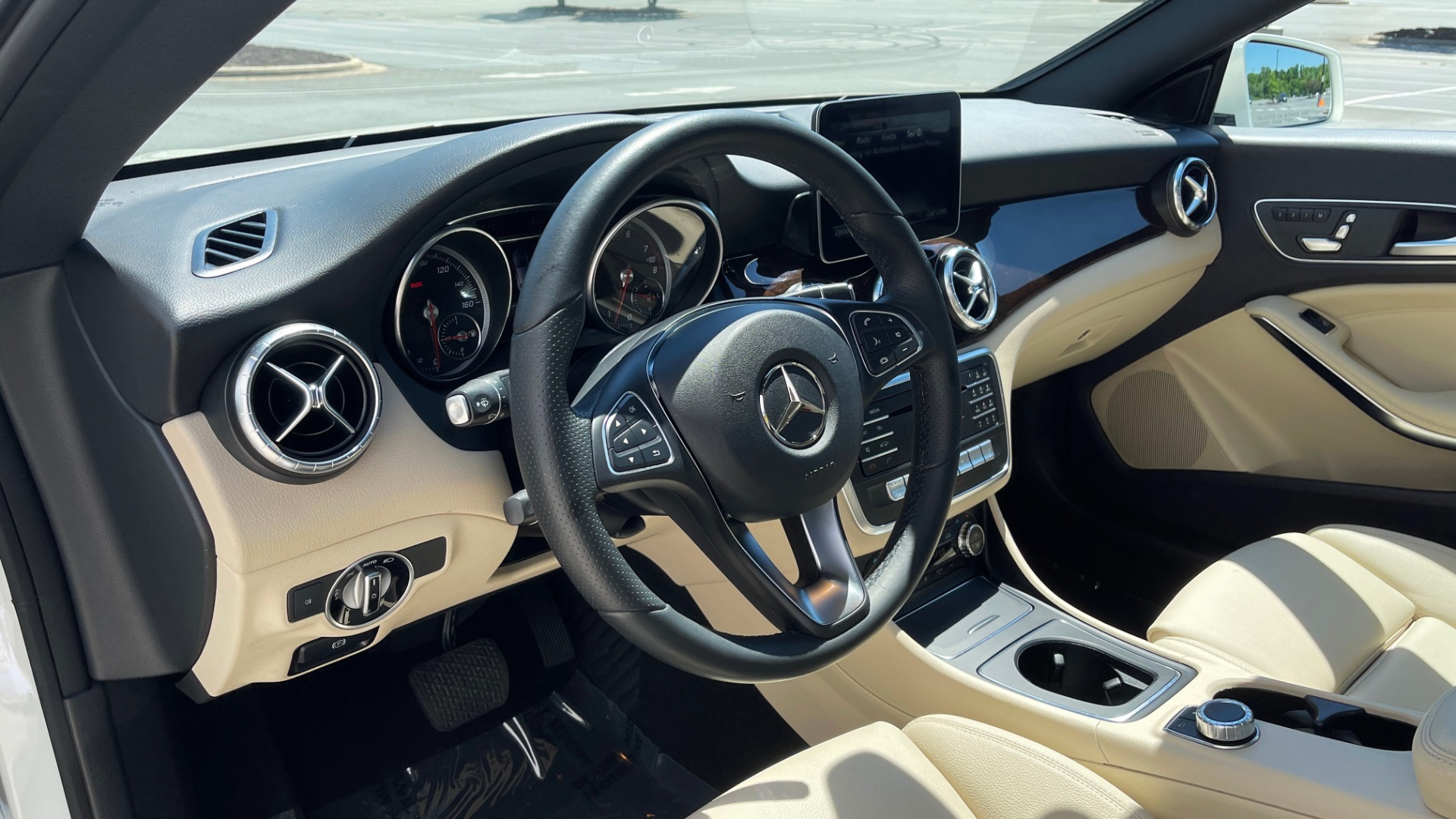Used 2018 Mercedes-Benz CLA 250 PREMIUM / CONV PKG / APPLE / PANO-ROOF / REARVIEW for sale $29,795 at Formula Imports in Charlotte NC 28227 54