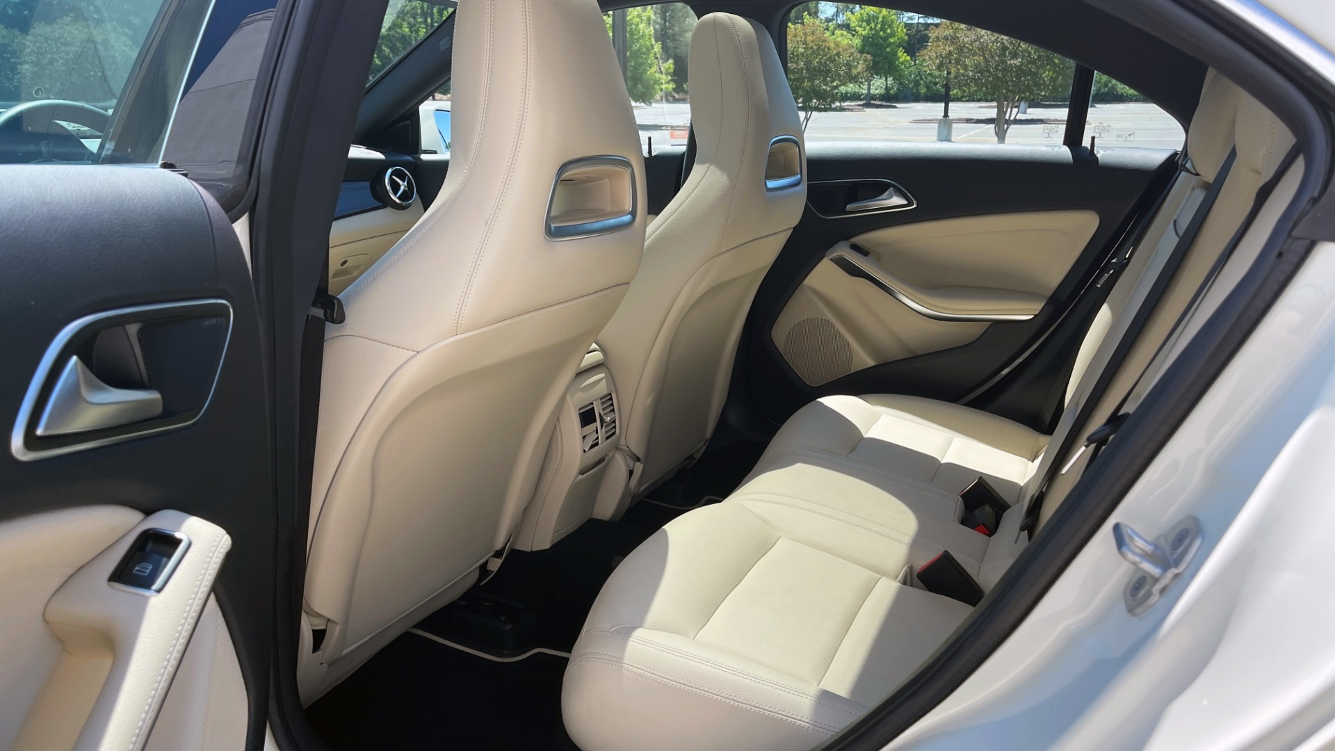 Used 2018 Mercedes-Benz CLA 250 PREMIUM / CONV PKG / APPLE / PANO-ROOF / REARVIEW for sale $29,795 at Formula Imports in Charlotte NC 28227 56