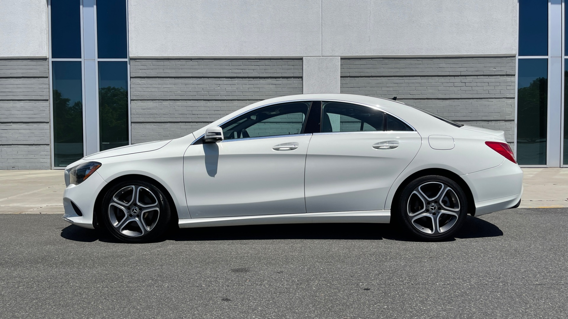 Used 2018 Mercedes-Benz CLA 250 PREMIUM / CONV PKG / APPLE / PANO-ROOF / REARVIEW for sale $29,795 at Formula Imports in Charlotte NC 28227 6