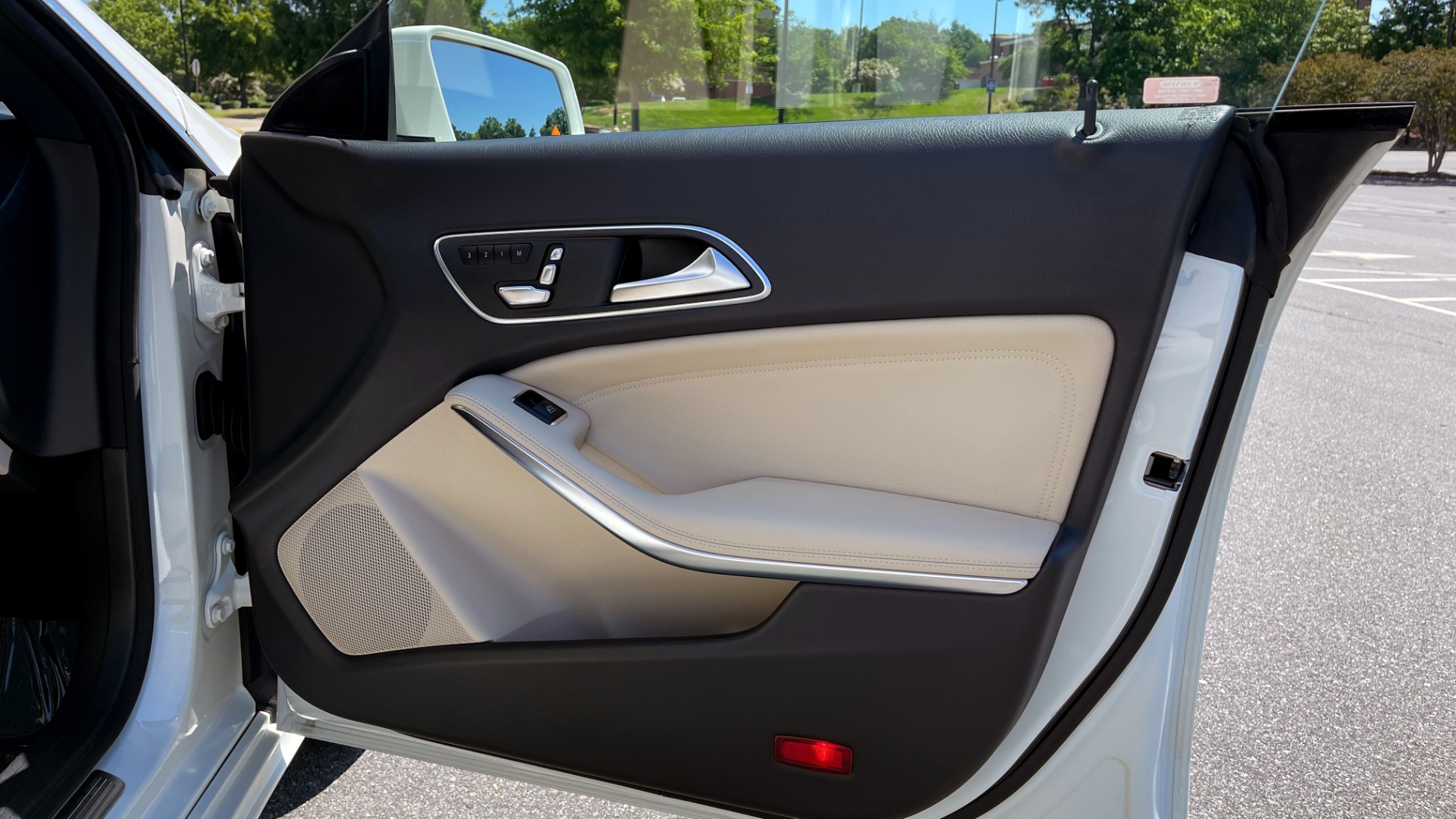 Used 2018 Mercedes-Benz CLA 250 PREMIUM / CONV PKG / APPLE / PANO-ROOF / REARVIEW for sale $29,795 at Formula Imports in Charlotte NC 28227 63