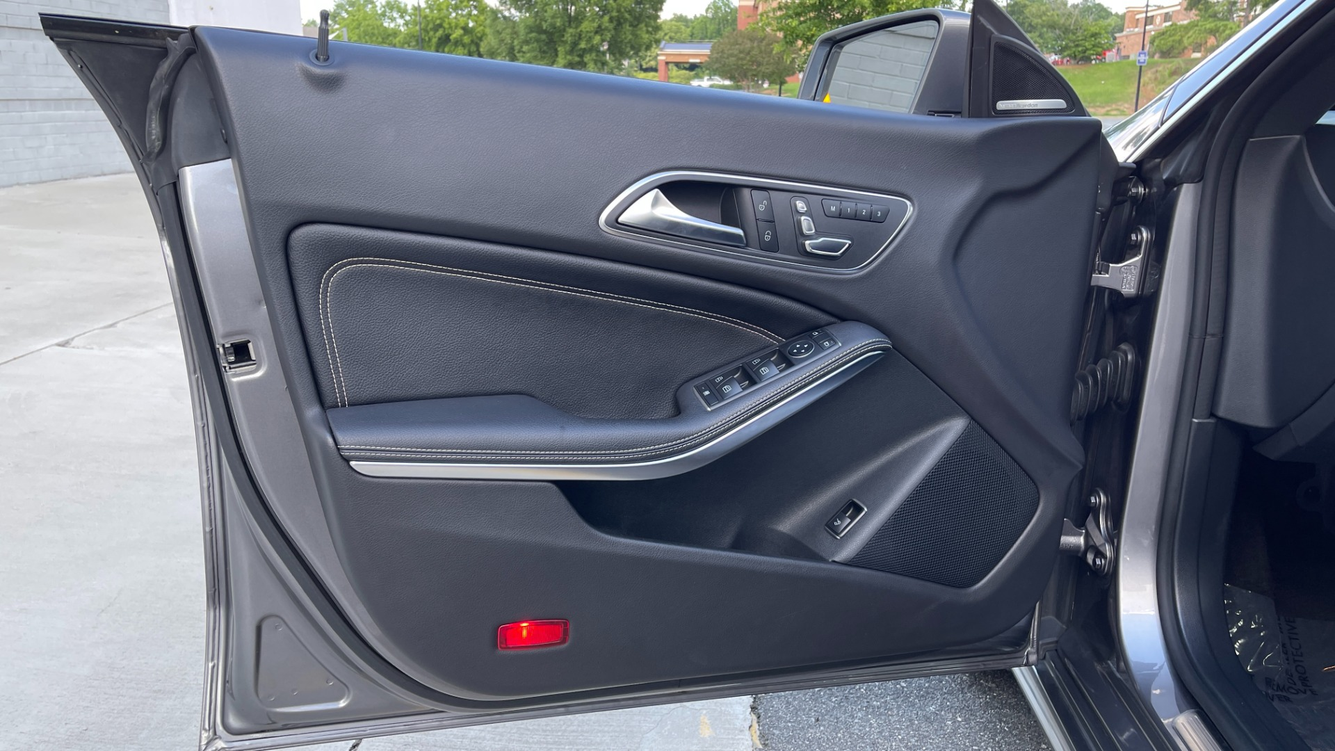 Used 2019 Mercedes-Benz CLA 250 4MATIC PREM & CONV PKG / APPLE / PANO-ROOF / H/K SND / REARVIEW for sale $29,795 at Formula Imports in Charlotte NC 28227 26
