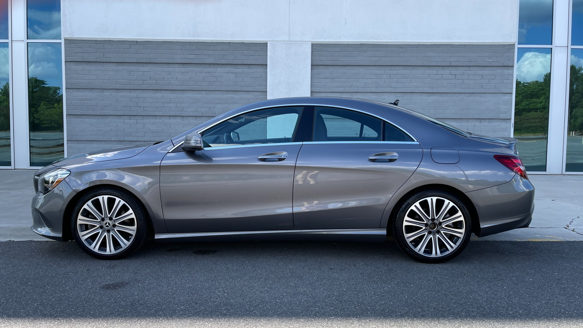 Used 2019 Mercedes-Benz CLA 250 4MATIC PREM & CONV PKG / APPLE / PANO-ROOF / H/K SND / REARVIEW for sale $29,795 at Formula Imports in Charlotte NC 28227 3