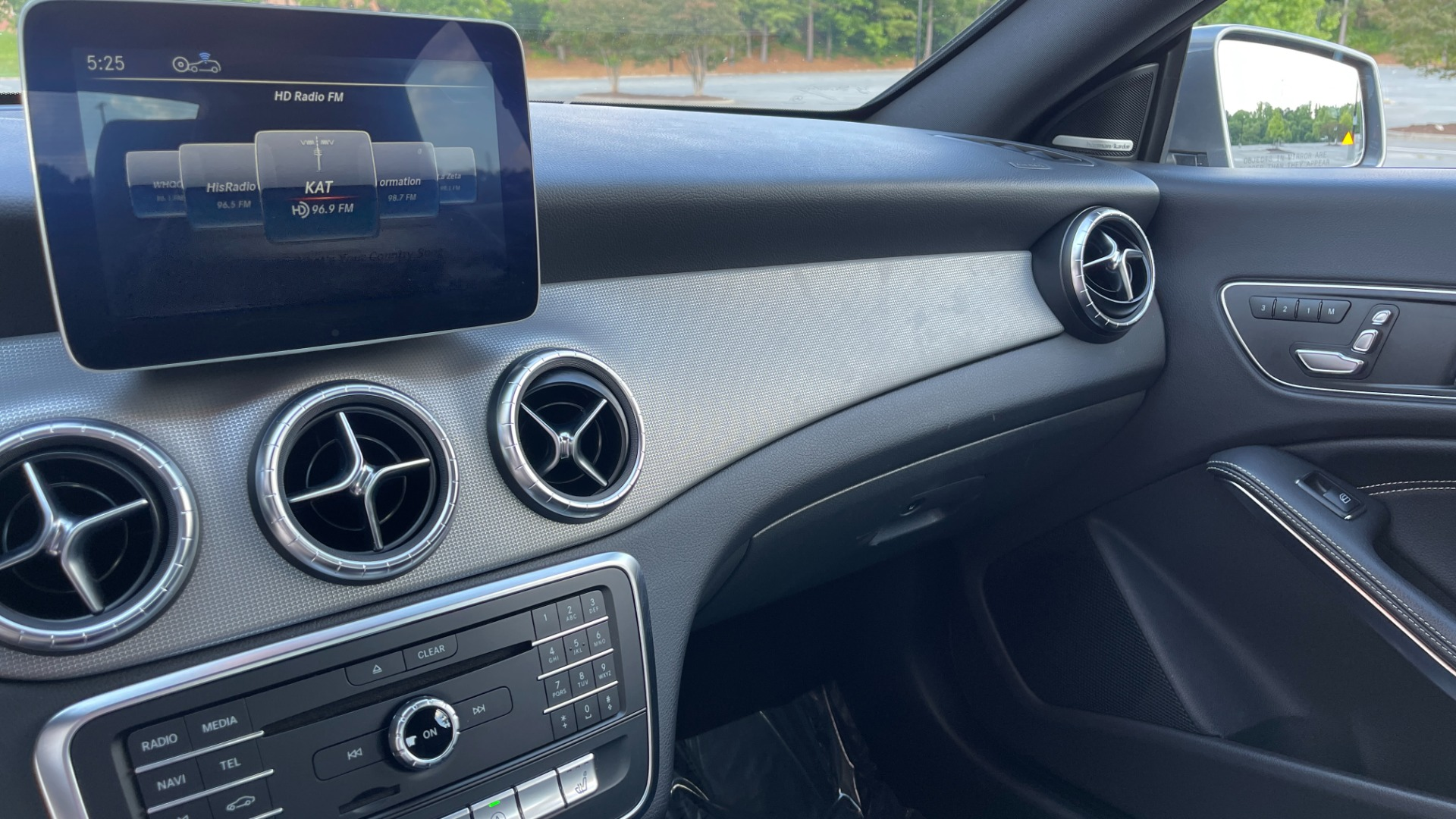 Used 2019 Mercedes-Benz CLA 250 4MATIC PREM & CONV PKG / APPLE / PANO-ROOF / H/K SND / REARVIEW for sale $29,795 at Formula Imports in Charlotte NC 28227 47
