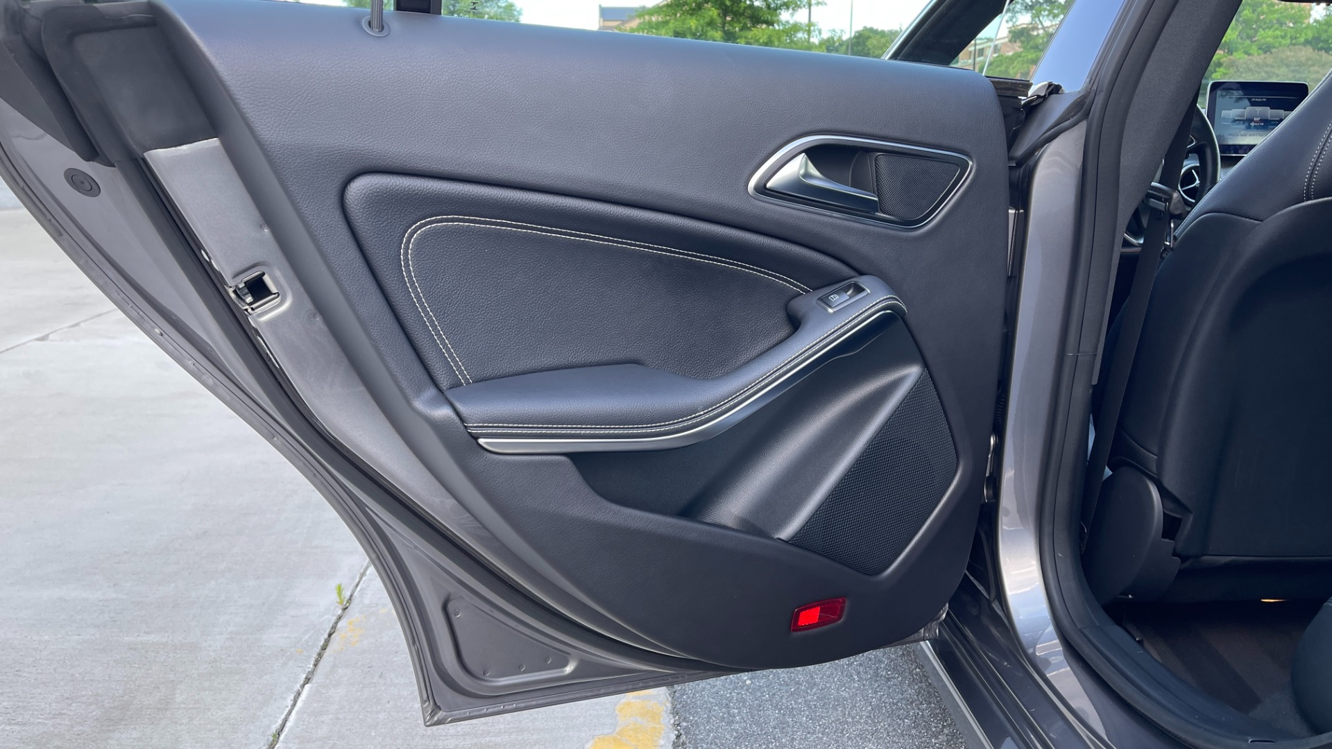 Used 2019 Mercedes-Benz CLA 250 4MATIC PREM & CONV PKG / APPLE / PANO-ROOF / H/K SND / REARVIEW for sale $29,795 at Formula Imports in Charlotte NC 28227 53