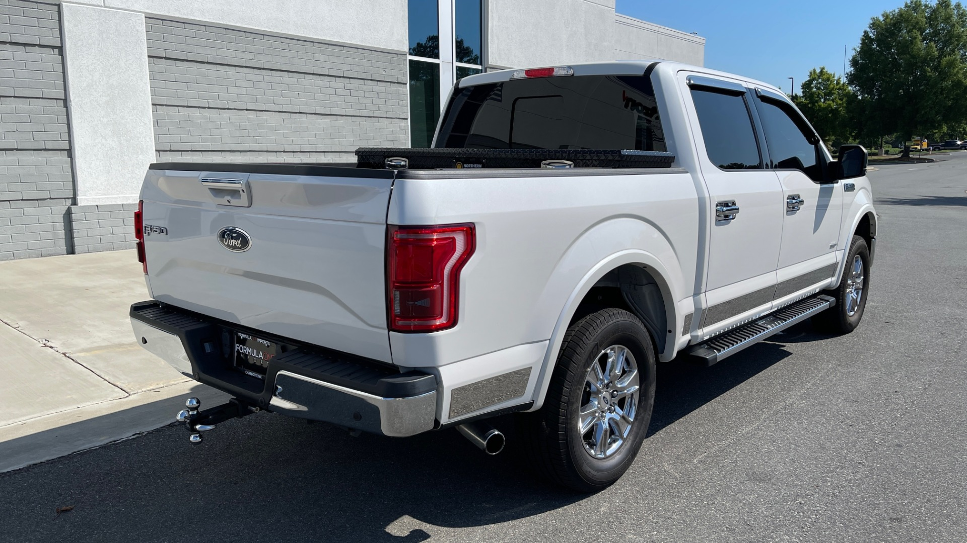 Used 2016 Ford F-150 LARIAT 4X4 / 3.5L V6 / 6-SPD AUTO / BLIS / SONY / NAV / REARVIEW for sale $37,500 at Formula Imports in Charlotte NC 28227 2