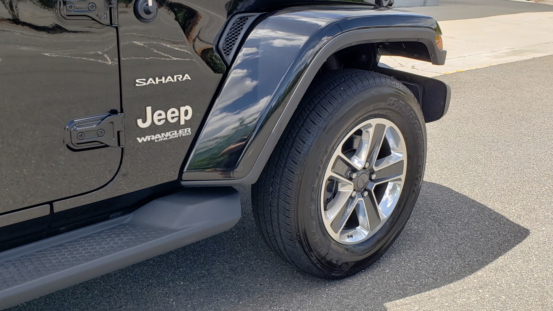 Used 2018 Jeep WRANGLER UNLIMITED SAHARA / 3.6L V6 / 6-SPD MAN / ALPINE / NAV / HTD STS / REARVIEW for sale $43,999 at Formula Imports in Charlotte NC 28227 100