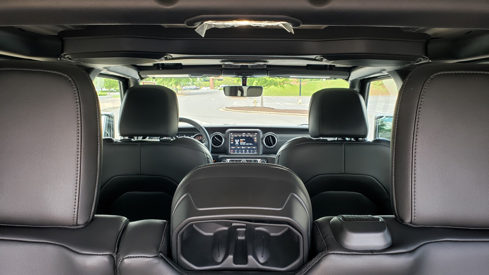 Used 2018 Jeep WRANGLER UNLIMITED SAHARA / 3.6L V6 / 6-SPD MAN / ALPINE / NAV / HTD STS / REARVIEW for sale $43,999 at Formula Imports in Charlotte NC 28227 25