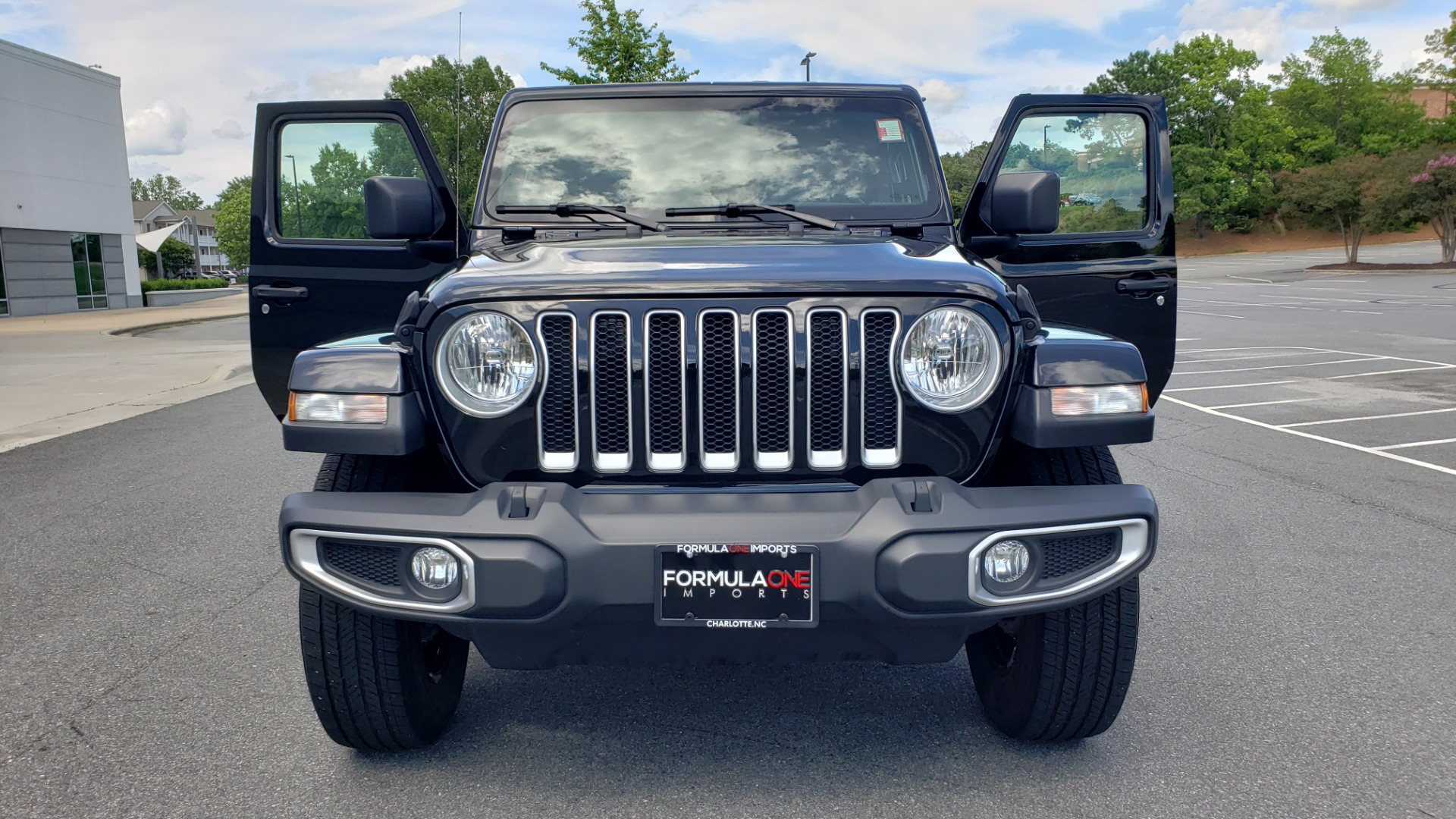 Used 2018 Jeep WRANGLER UNLIMITED SAHARA / 3.6L V6 / 6-SPD MAN / ALPINE / NAV / HTD STS / REARVIEW for sale $43,999 at Formula Imports in Charlotte NC 28227 32