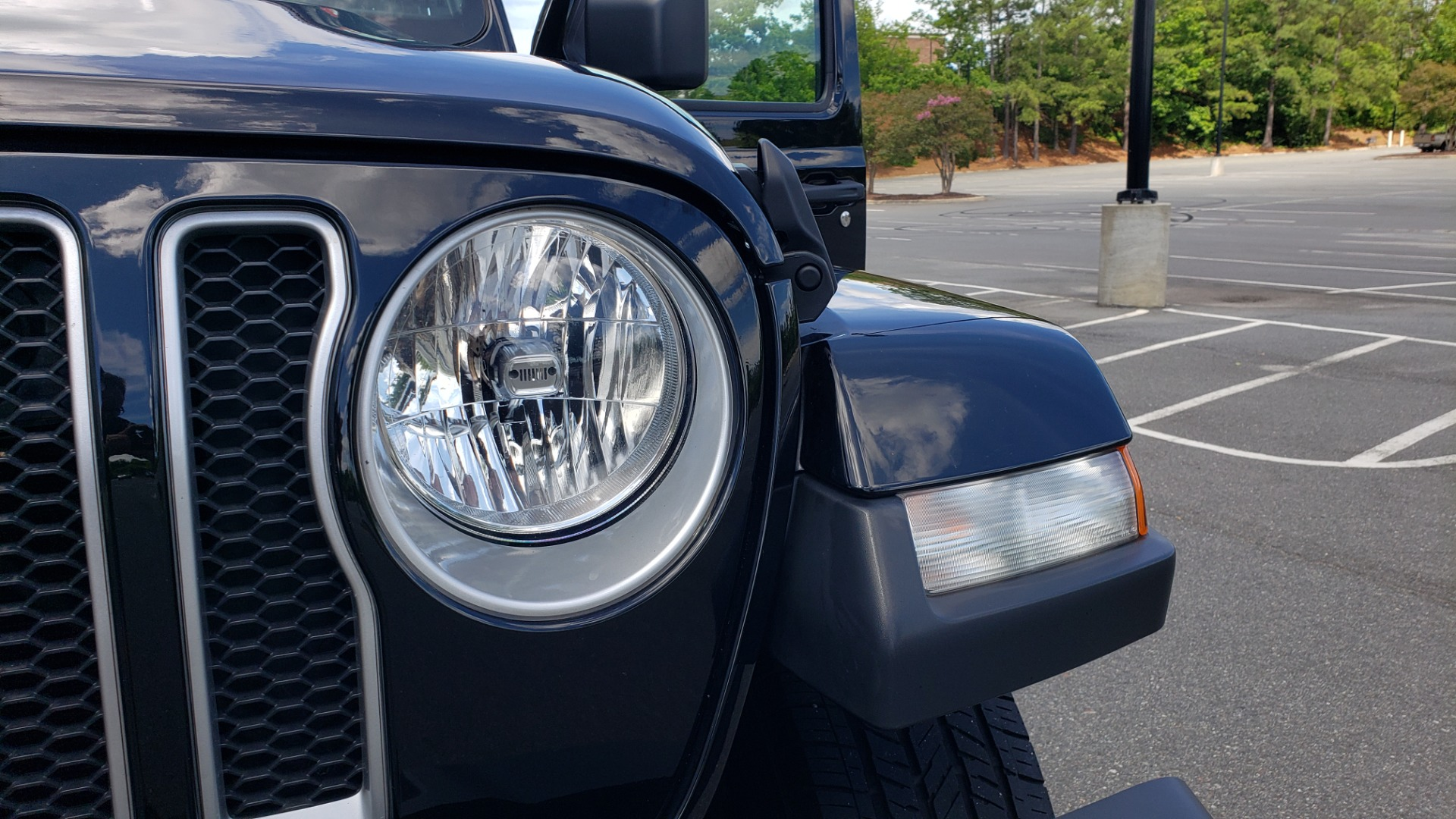 Used 2018 Jeep WRANGLER UNLIMITED SAHARA / 3.6L V6 / 6-SPD MAN / ALPINE / NAV / HTD STS / REARVIEW for sale $43,999 at Formula Imports in Charlotte NC 28227 34