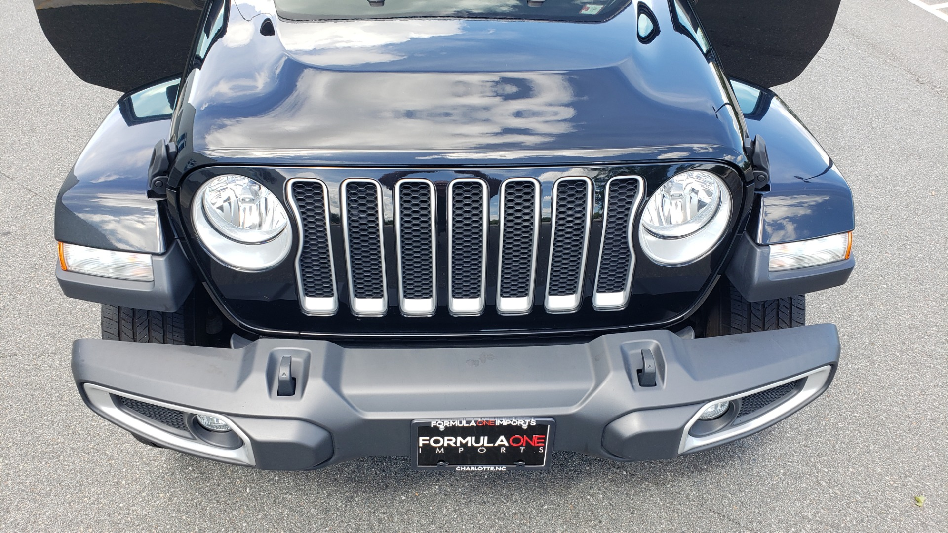 Used 2018 Jeep WRANGLER UNLIMITED SAHARA / 3.6L V6 / 6-SPD MAN / ALPINE / NAV / HTD STS / REARVIEW for sale $43,999 at Formula Imports in Charlotte NC 28227 36