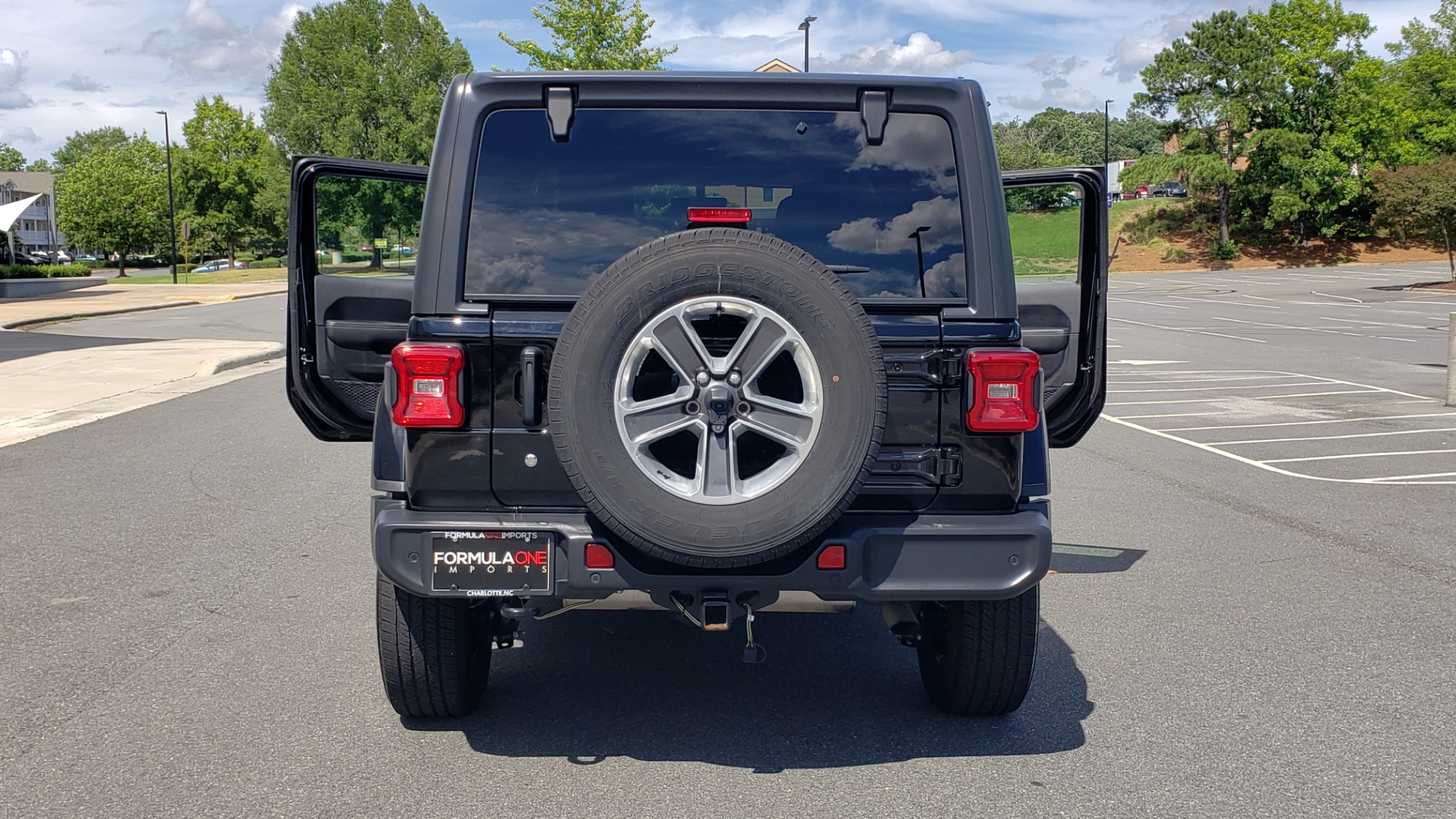 Used 2018 Jeep WRANGLER UNLIMITED SAHARA / 3.6L V6 / 6-SPD MAN / ALPINE / NAV / HTD STS / REARVIEW for sale $43,999 at Formula Imports in Charlotte NC 28227 42