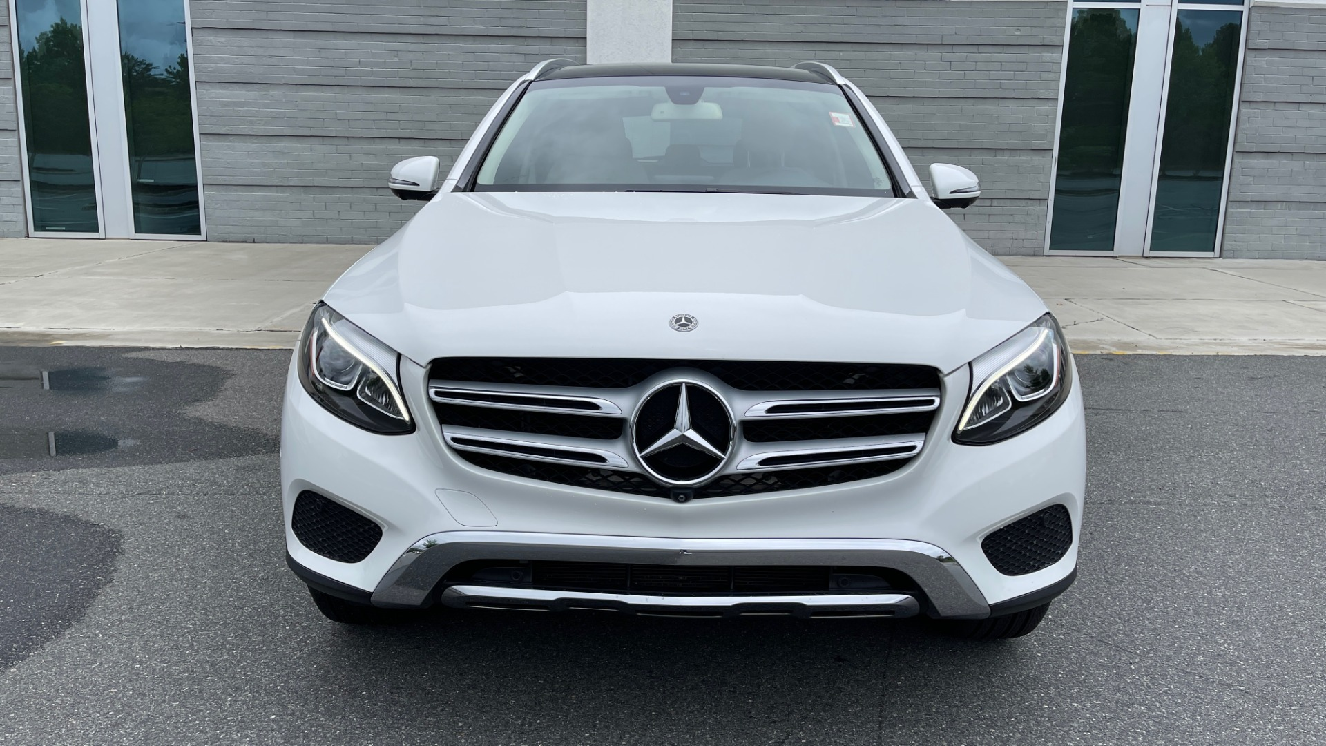 Used 2018 Mercedes-Benz GLC 300 PREMIUM / PANO-ROOF / HTD STS / PARK ASST / REARVIEW for sale $34,613 at Formula Imports in Charlotte NC 28227 10