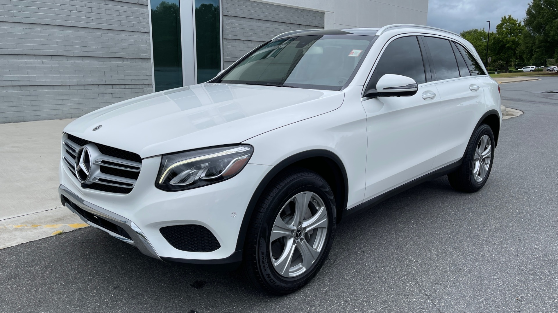 Used 2018 Mercedes-Benz GLC 300 PREMIUM / PANO-ROOF / HTD STS / PARK ASST / REARVIEW for sale $34,613 at Formula Imports in Charlotte NC 28227 3