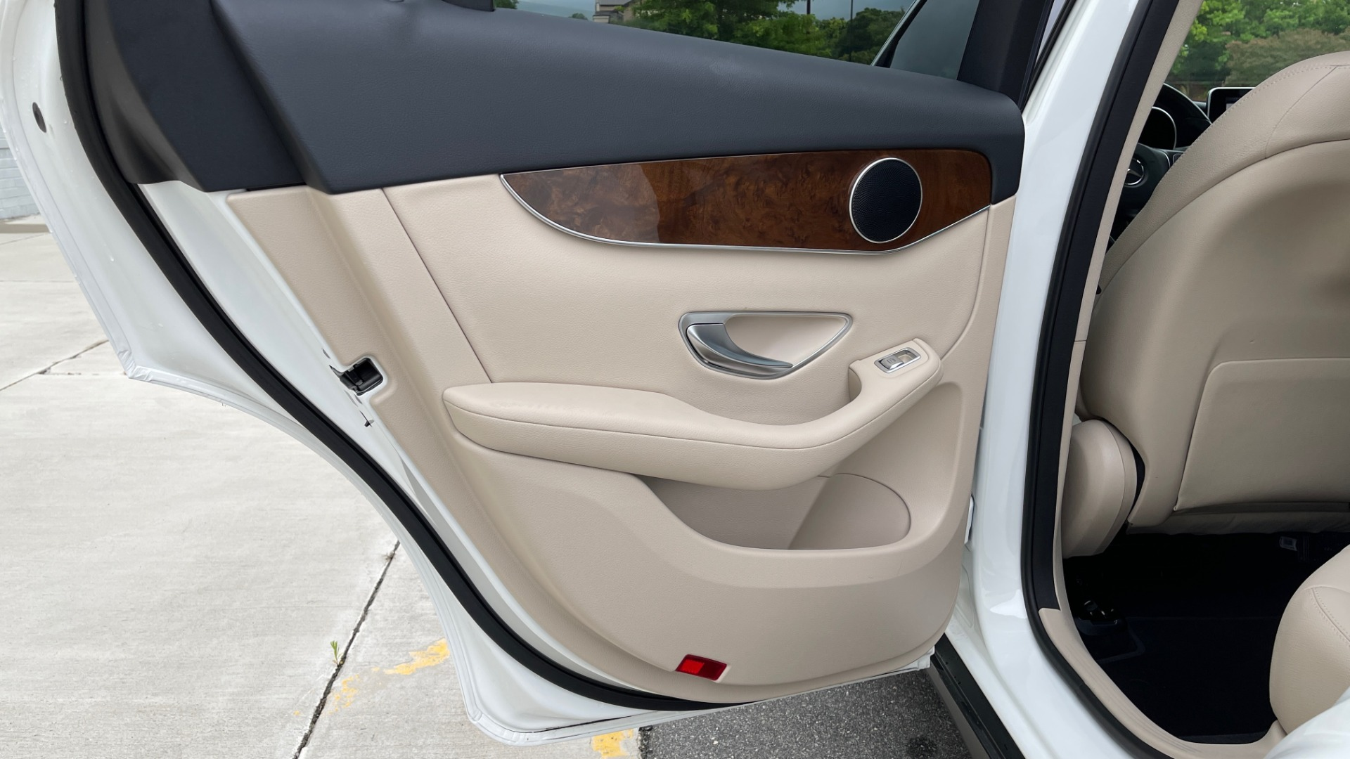 Used 2018 Mercedes-Benz GLC 300 PREMIUM / PANO-ROOF / HTD STS / PARK ASST / REARVIEW for sale $34,613 at Formula Imports in Charlotte NC 28227 45
