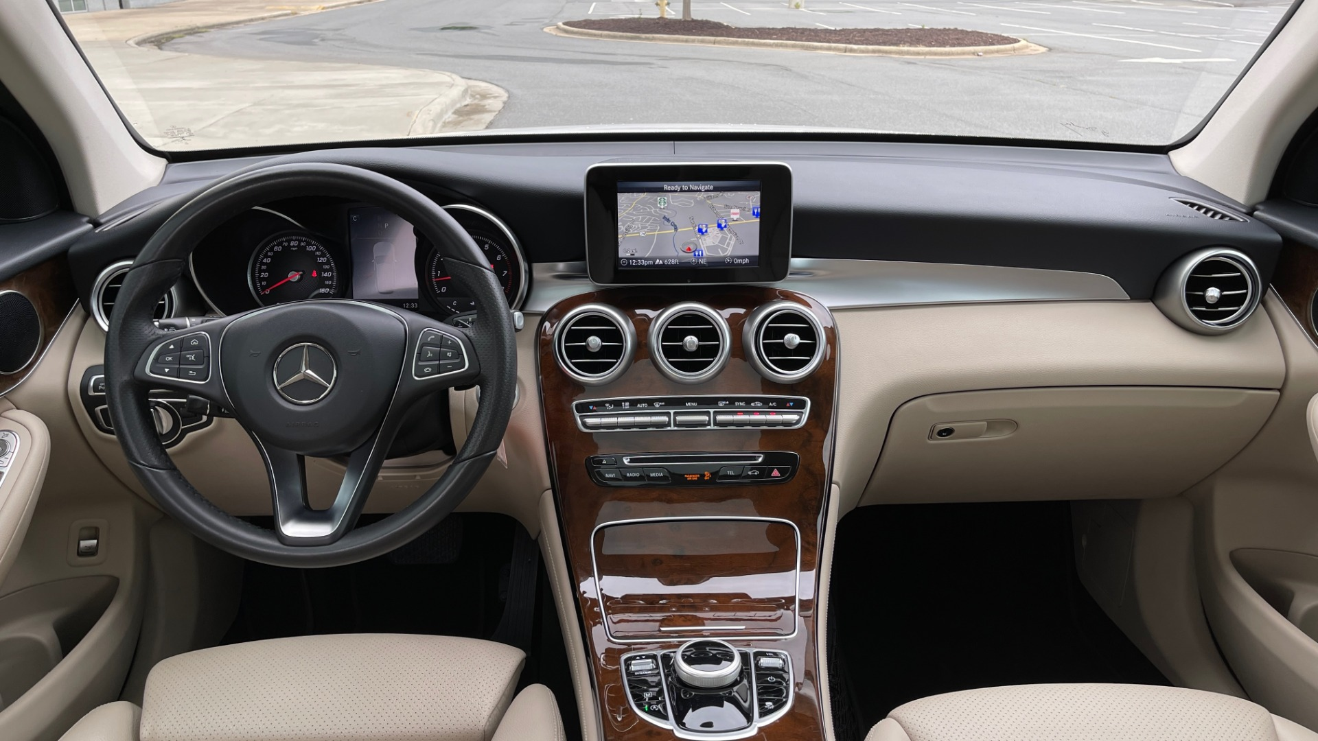 Used 2018 Mercedes-Benz GLC 300 PREMIUM / PANO-ROOF / HTD STS / PARK ASST / REARVIEW for sale $34,613 at Formula Imports in Charlotte NC 28227 50