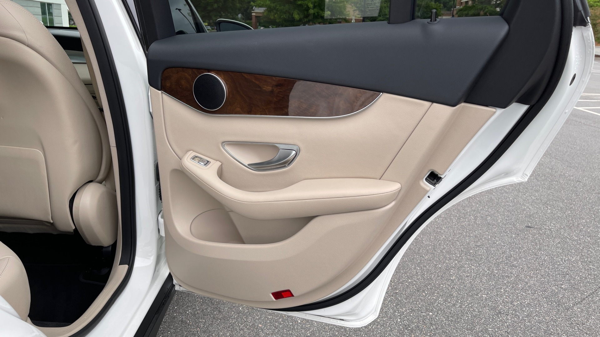 Used 2018 Mercedes-Benz GLC 300 PREMIUM / PANO-ROOF / HTD STS / PARK ASST / REARVIEW for sale $34,613 at Formula Imports in Charlotte NC 28227 51