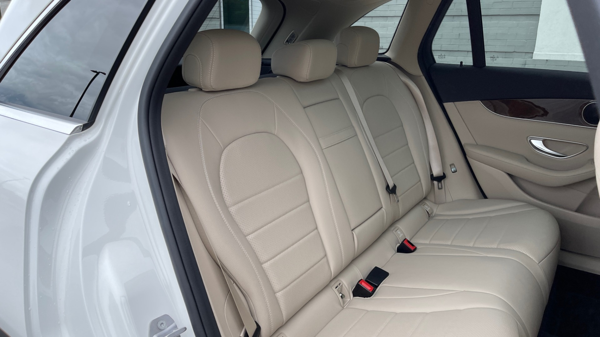 Used 2018 Mercedes-Benz GLC 300 PREMIUM / PANO-ROOF / HTD STS / PARK ASST / REARVIEW for sale $34,613 at Formula Imports in Charlotte NC 28227 53