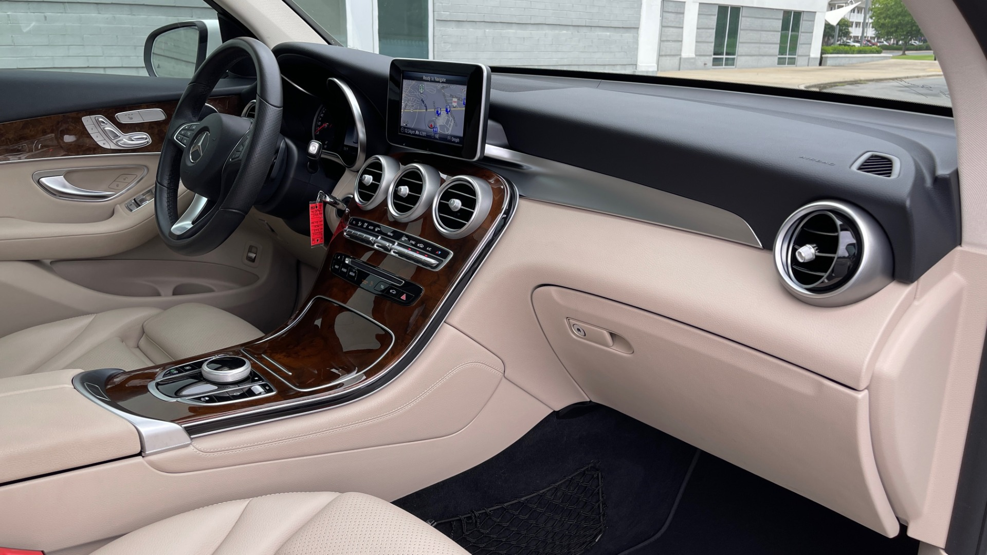 Used 2018 Mercedes-Benz GLC 300 PREMIUM / PANO-ROOF / HTD STS / PARK ASST / REARVIEW for sale $34,613 at Formula Imports in Charlotte NC 28227 55