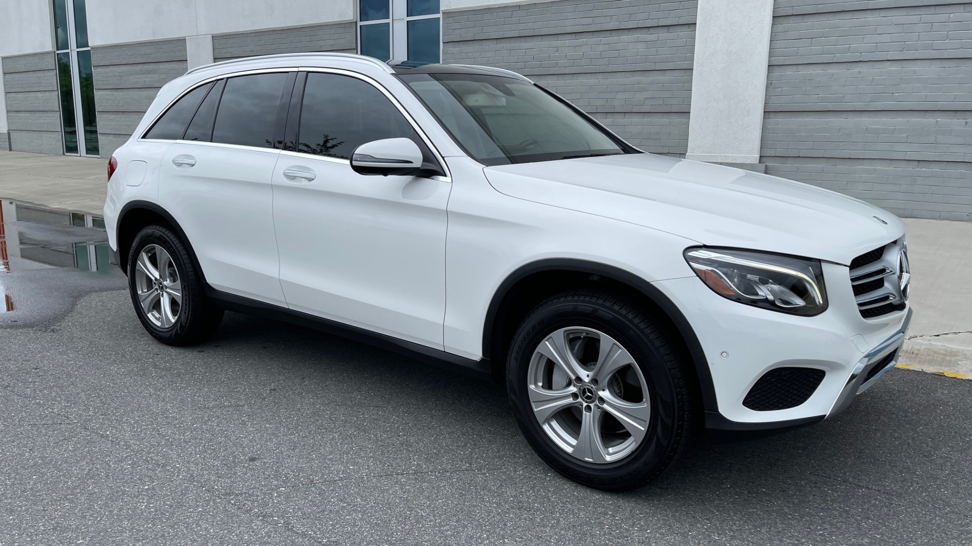 Used 2018 Mercedes-Benz GLC 300 PREMIUM / PANO-ROOF / HTD STS / PARK ASST / REARVIEW for sale $34,613 at Formula Imports in Charlotte NC 28227 6