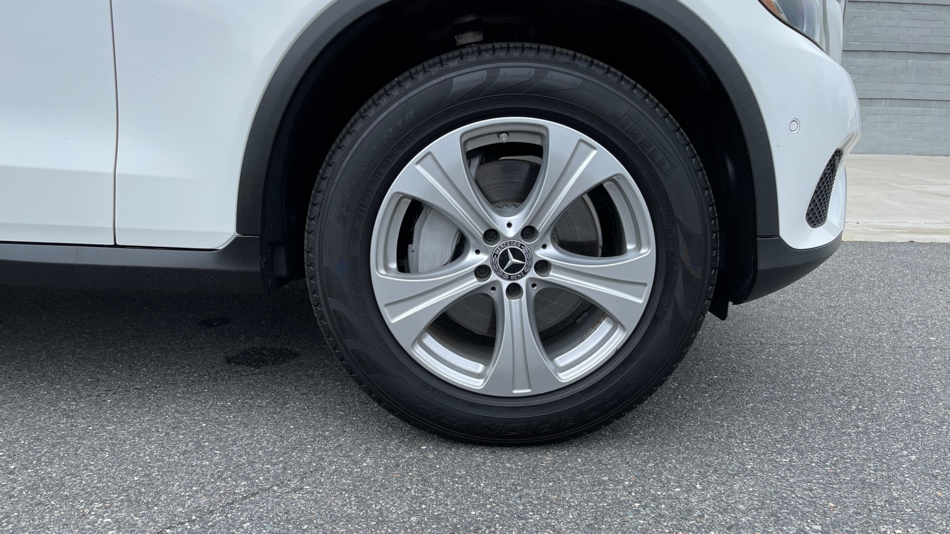 Used 2018 Mercedes-Benz GLC 300 PREMIUM / PANO-ROOF / HTD STS / PARK ASST / REARVIEW for sale $34,613 at Formula Imports in Charlotte NC 28227 61