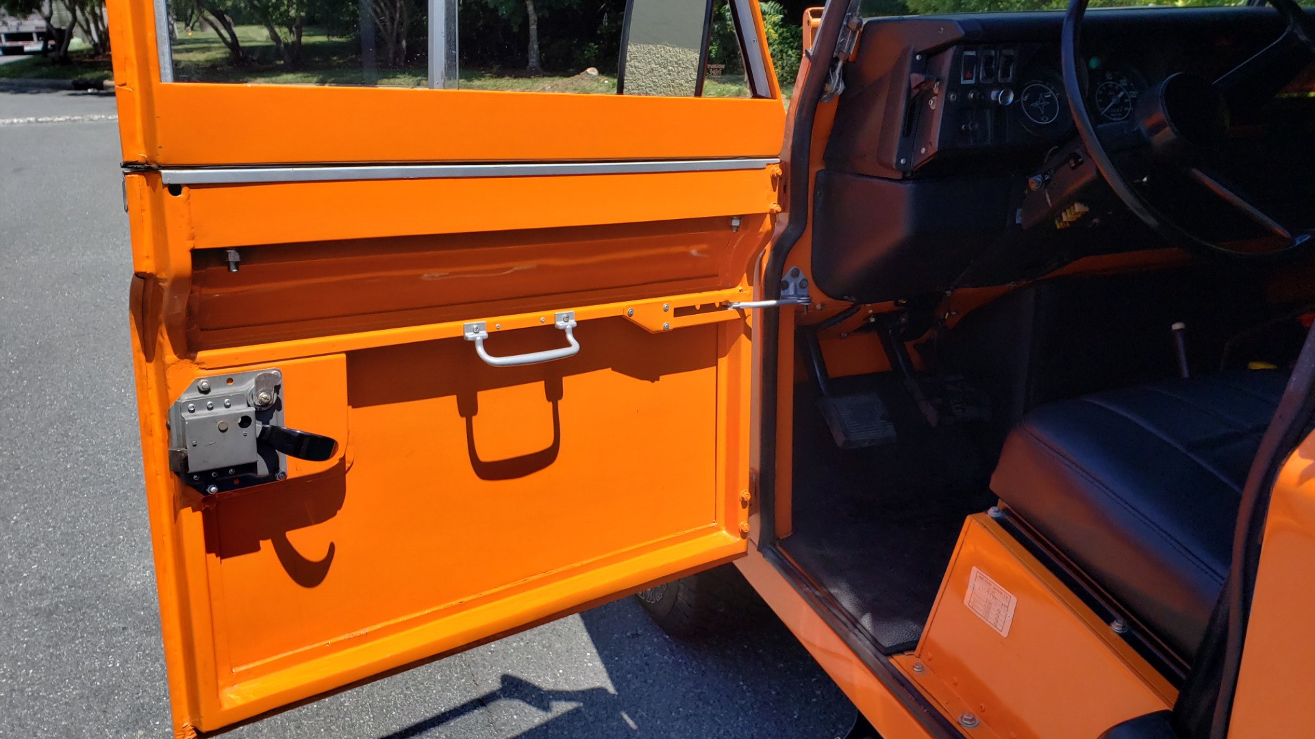 Used 1982 Land Rover SERIES 3 4X4 / SOFT-TOP / FULLY RESTORED / RUNS GREAT for sale $41,900 at Formula Imports in Charlotte NC 28227 10