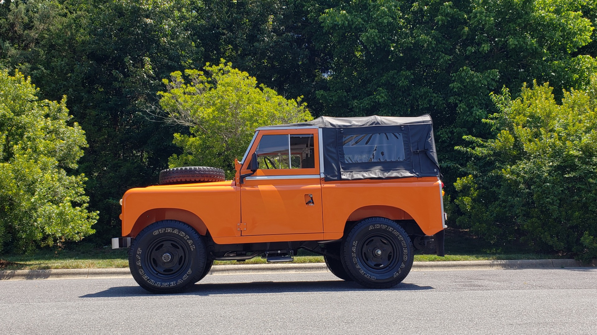 Used 1982 Land Rover SERIES 3 4X4 / SOFT-TOP / FULLY RESTORED / RUNS GREAT for sale $41,900 at Formula Imports in Charlotte NC 28227 2