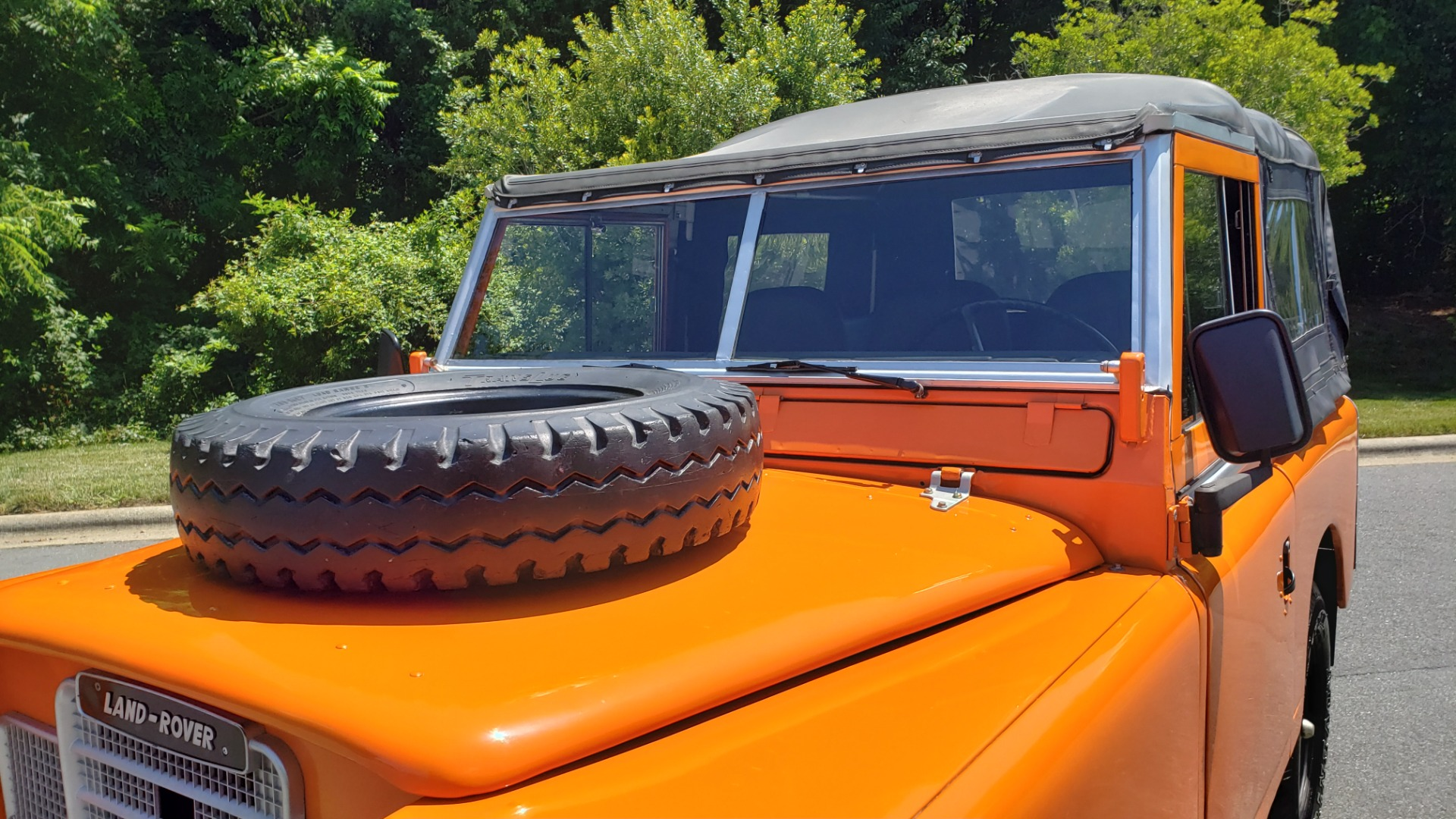 Used 1982 Land Rover SERIES 3 4X4 / SOFT-TOP / FULLY RESTORED / RUNS GREAT for sale $41,900 at Formula Imports in Charlotte NC 28227 28