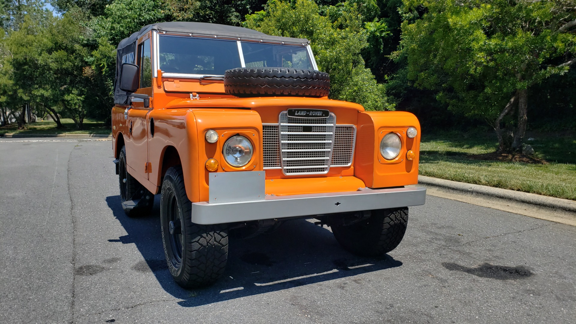 Used 1982 Land Rover SERIES 3 4X4 / SOFT-TOP / FULLY RESTORED / RUNS GREAT for sale $41,900 at Formula Imports in Charlotte NC 28227 29