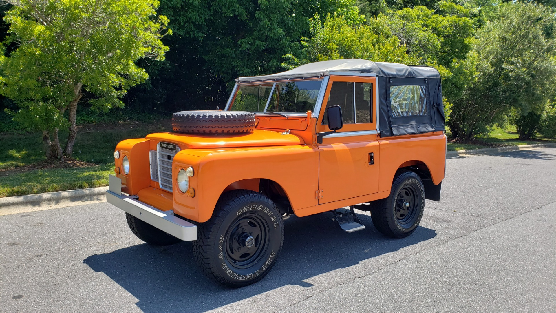 Used 1982 Land Rover SERIES 3 4X4 / SOFT-TOP / FULLY RESTORED / RUNS GREAT for sale $41,900 at Formula Imports in Charlotte NC 28227 1