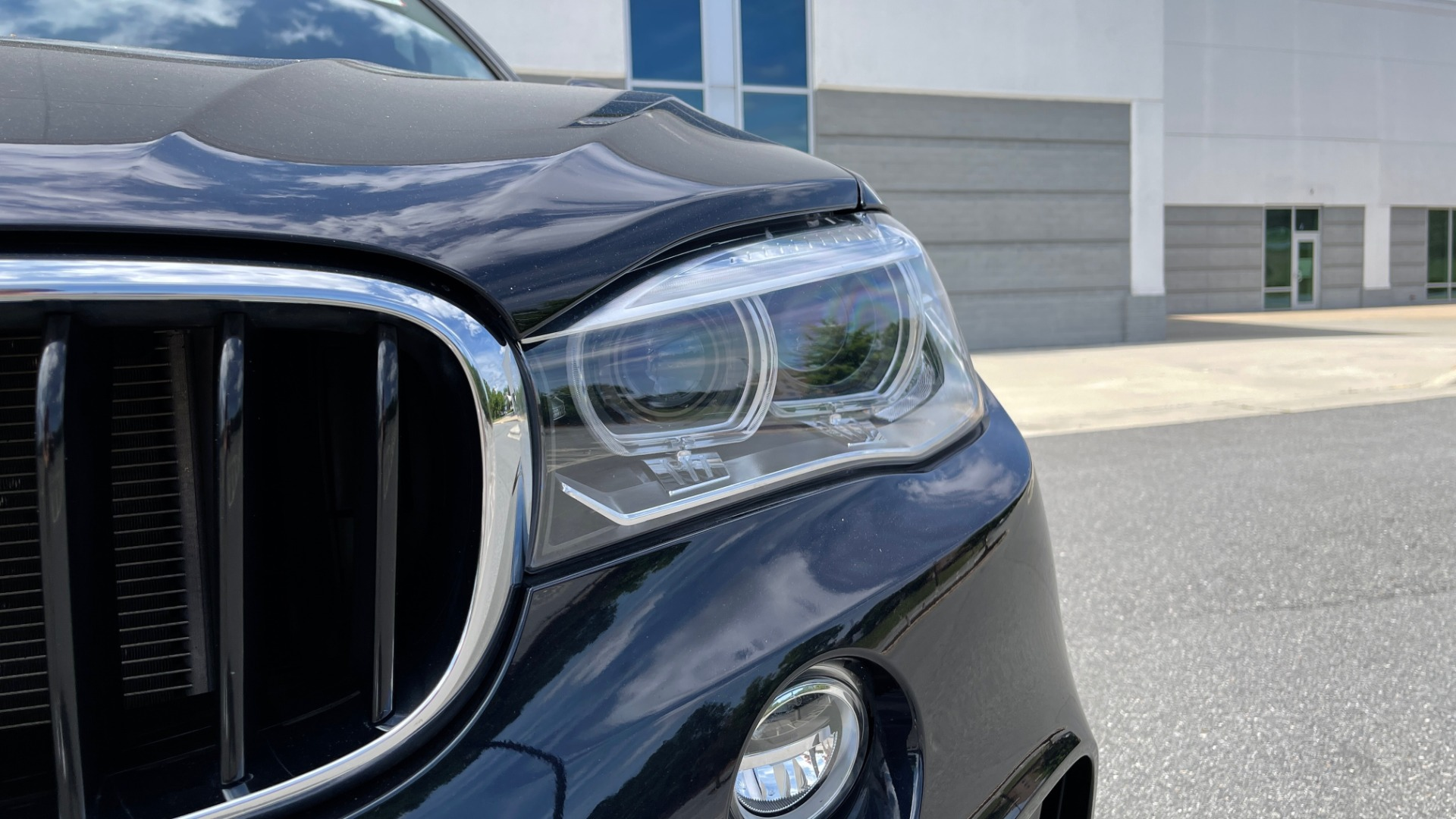 Used 2018 BMW X6 XDRIVE35I M-SPORT / DRVR ASST / PRK ASST / H/K SND / APPLE / WIRELESS CHARG for sale $51,995 at Formula Imports in Charlotte NC 28227 14