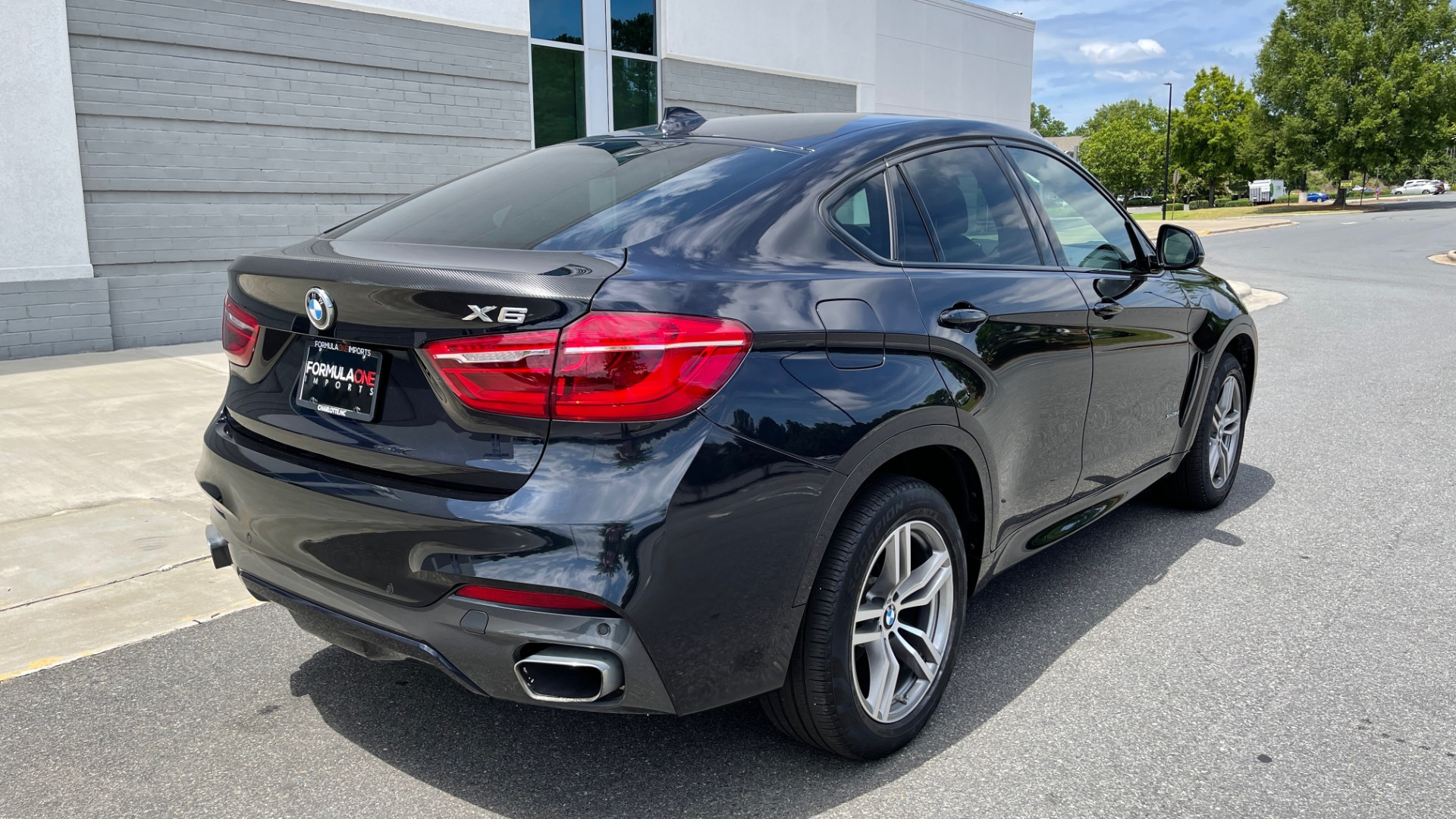Used 2018 BMW X6 XDRIVE35I M-SPORT / DRVR ASST / PRK ASST / H/K SND / APPLE / WIRELESS CHARG for sale $51,995 at Formula Imports in Charlotte NC 28227 2