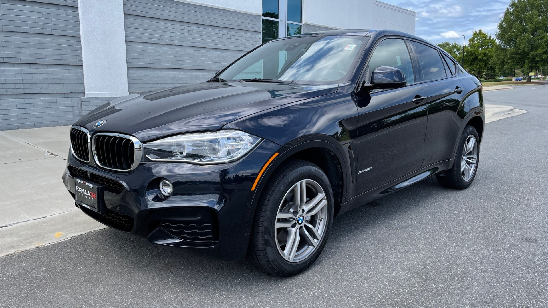 Used 2018 BMW X6 XDRIVE35I M-SPORT / DRVR ASST / PRK ASST / H/K SND / APPLE / WIRELESS CHARG for sale $51,995 at Formula Imports in Charlotte NC 28227 3