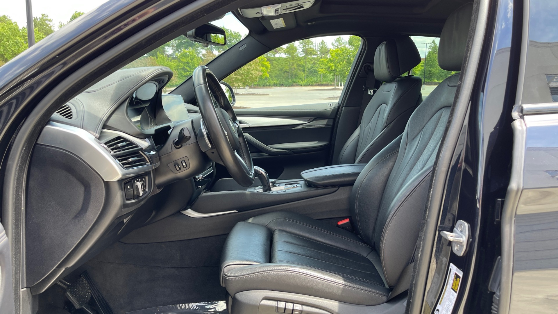 Used 2018 BMW X6 XDRIVE35I M-SPORT / DRVR ASST / PRK ASST / H/K SND / APPLE / WIRELESS CHARG for sale $51,995 at Formula Imports in Charlotte NC 28227 35