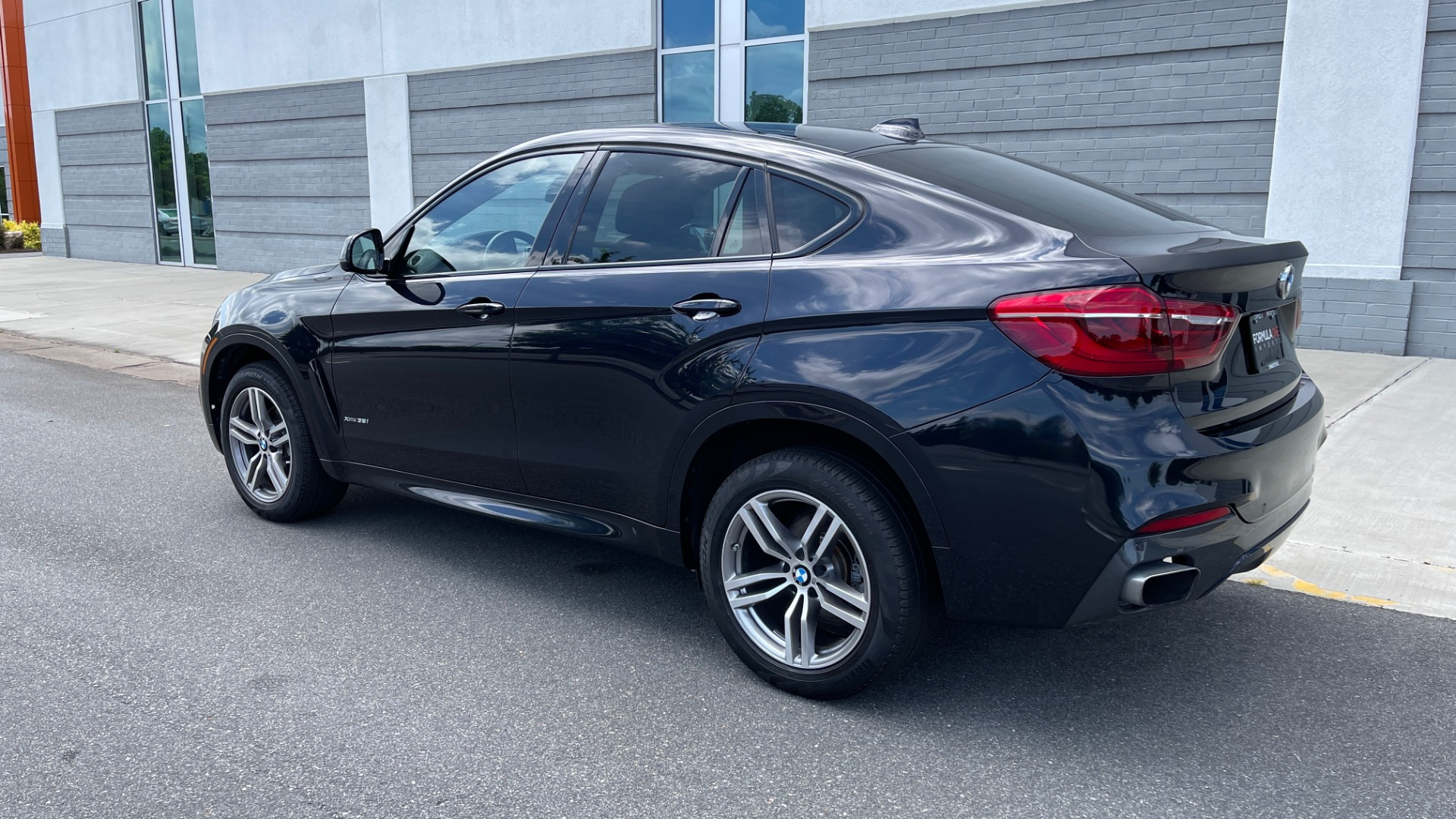 Used 2018 BMW X6 XDRIVE35I M-SPORT / DRVR ASST / PRK ASST / H/K SND / APPLE / WIRELESS CHARG for sale $51,995 at Formula Imports in Charlotte NC 28227 5