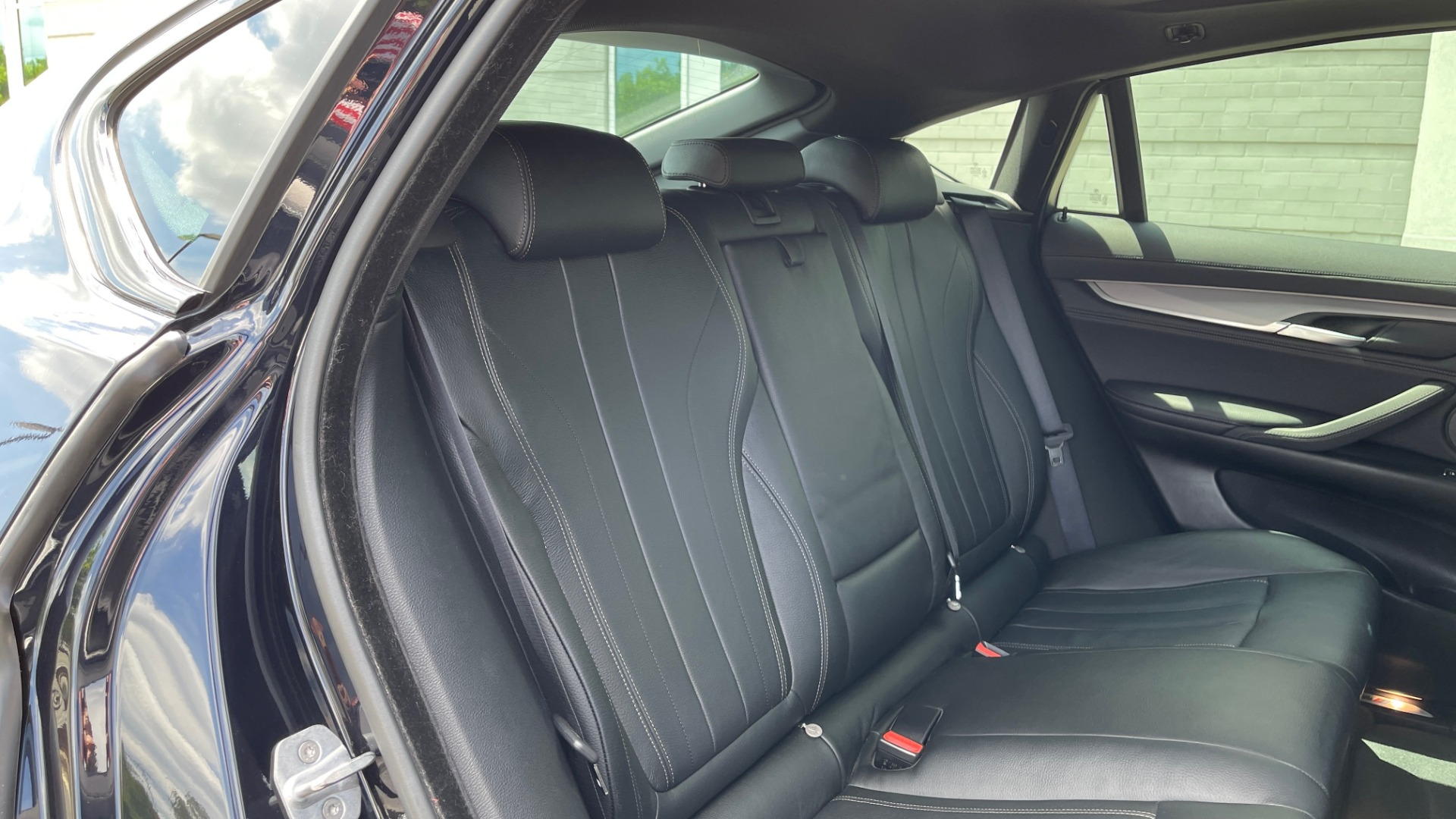 Used 2018 BMW X6 XDRIVE35I M-SPORT / DRVR ASST / PRK ASST / H/K SND / APPLE / WIRELESS CHARG for sale $51,995 at Formula Imports in Charlotte NC 28227 62