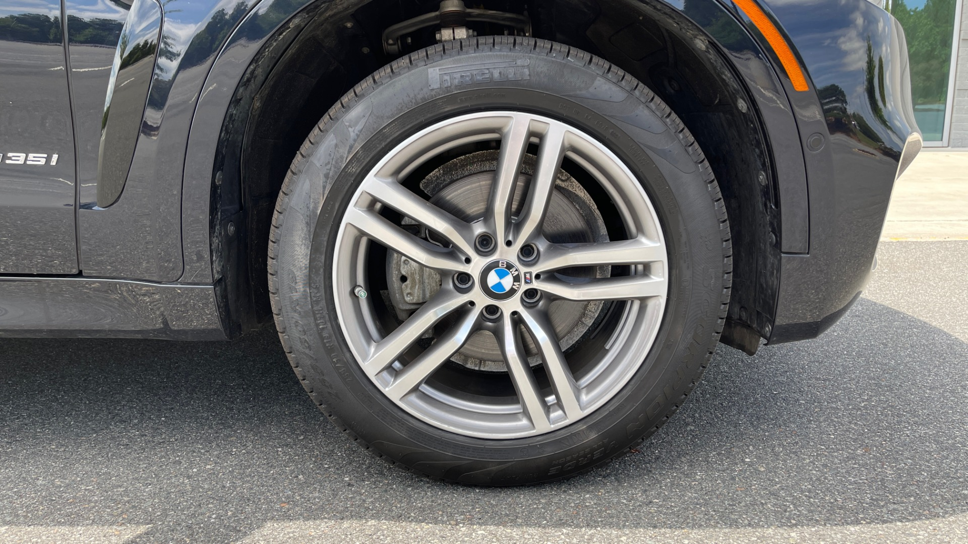 Used 2018 BMW X6 XDRIVE35I M-SPORT / DRVR ASST / PRK ASST / H/K SND / APPLE / WIRELESS CHARG for sale $51,995 at Formula Imports in Charlotte NC 28227 72