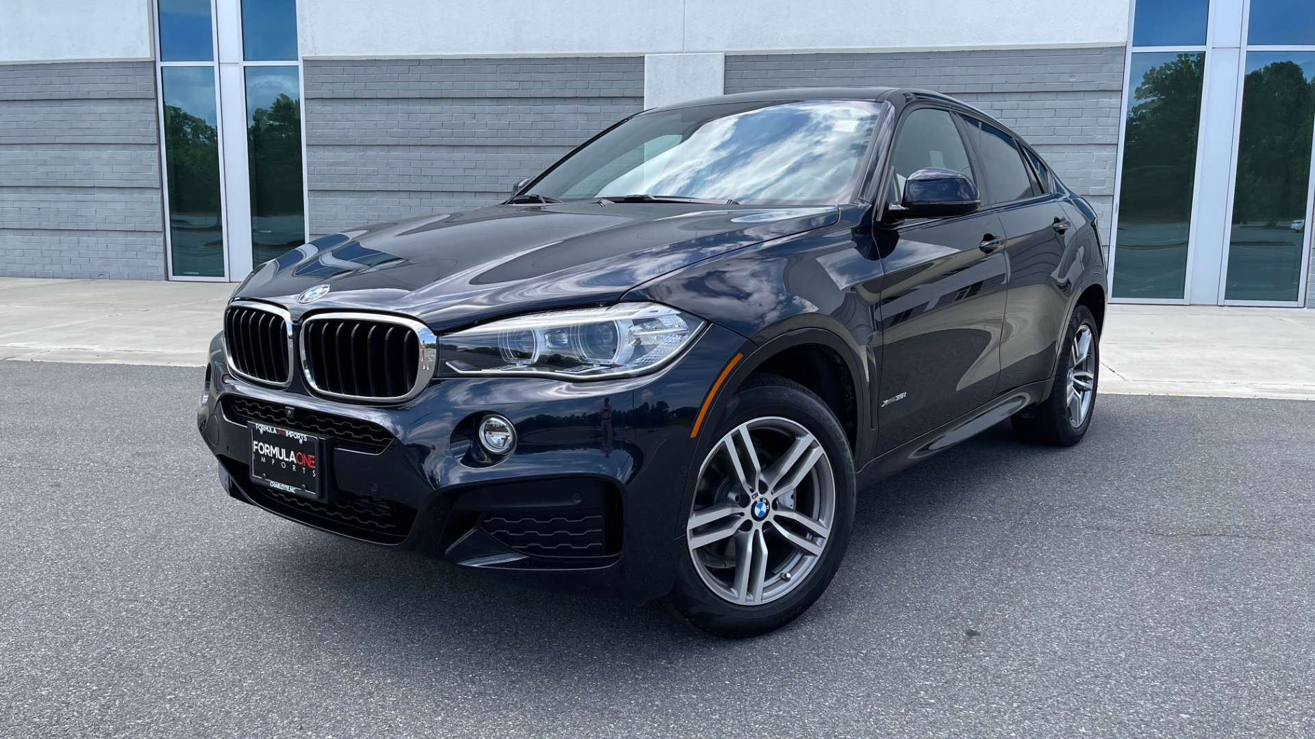 Used 2018 BMW X6 XDRIVE35I M-SPORT / DRVR ASST / PRK ASST / H/K SND / APPLE / WIRELESS CHARG for sale $51,995 at Formula Imports in Charlotte NC 28227 1