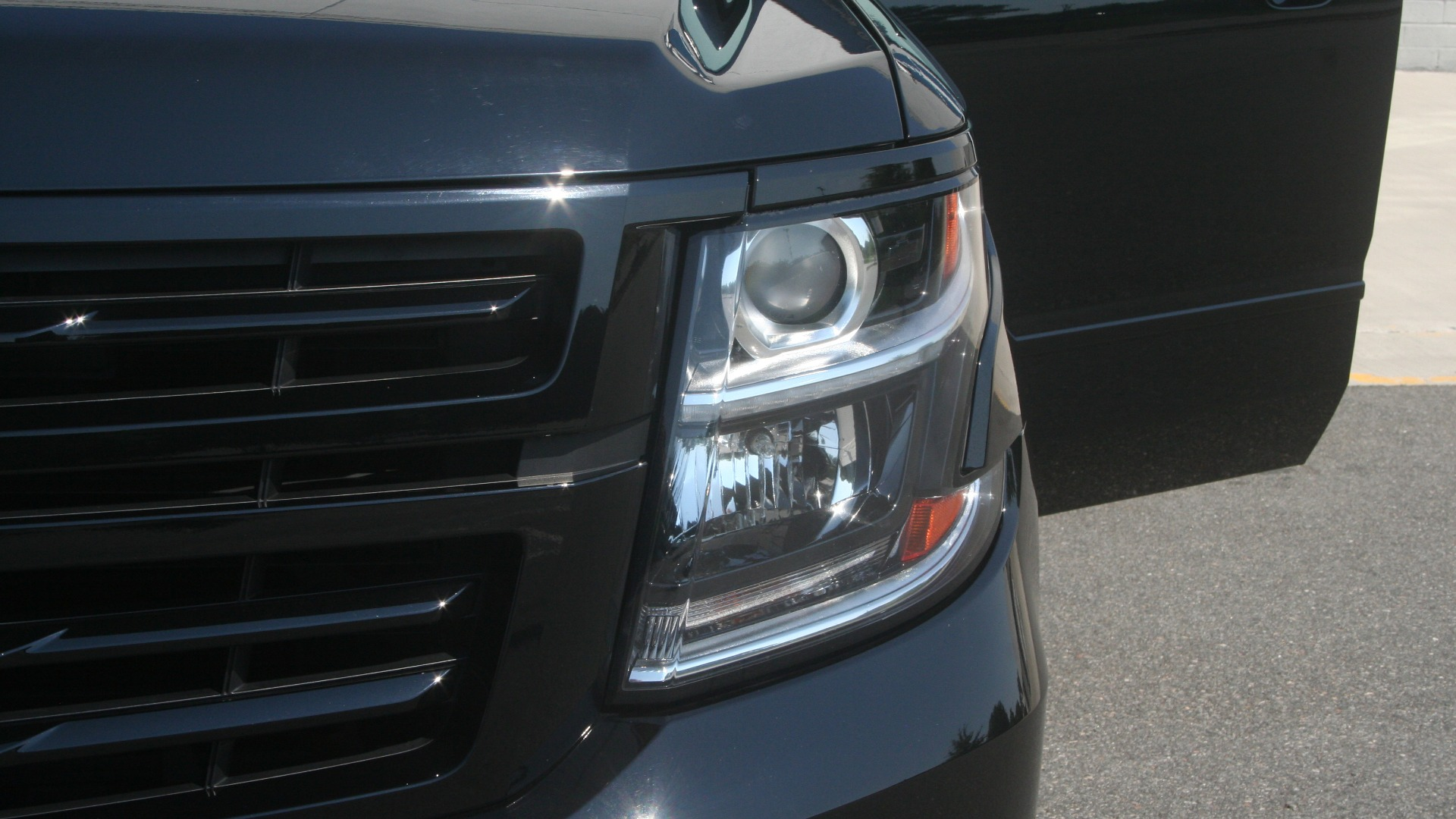 Used 2018 Chevrolet TAHOE PREMIER RST / 4X4 / NAV / BOSE / SUNROOF / 3-ROW / REARVIEW for sale $65,995 at Formula Imports in Charlotte NC 28227 14