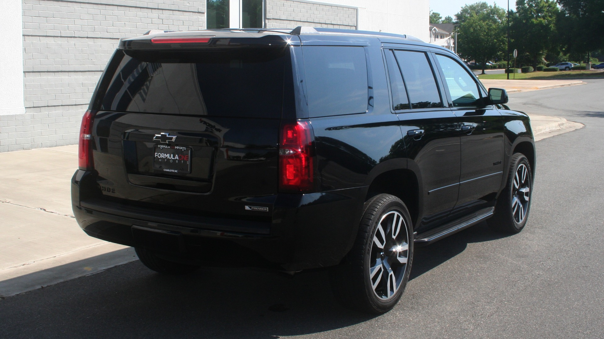 Used 2018 Chevrolet TAHOE PREMIER RST / 4X4 / NAV / BOSE / SUNROOF / 3-ROW / REARVIEW for sale $65,995 at Formula Imports in Charlotte NC 28227 2