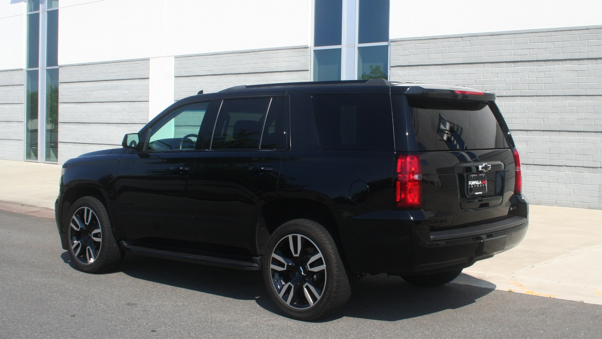 Used 2018 Chevrolet TAHOE PREMIER RST / 4X4 / NAV / BOSE / SUNROOF / 3-ROW / REARVIEW for sale $65,995 at Formula Imports in Charlotte NC 28227 6