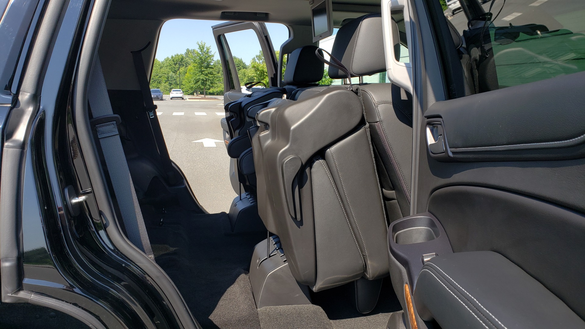 Used 2018 Chevrolet TAHOE PREMIER RST / 4X4 / NAV / BOSE / SUNROOF / 3-ROW / REARVIEW for sale $65,995 at Formula Imports in Charlotte NC 28227 71