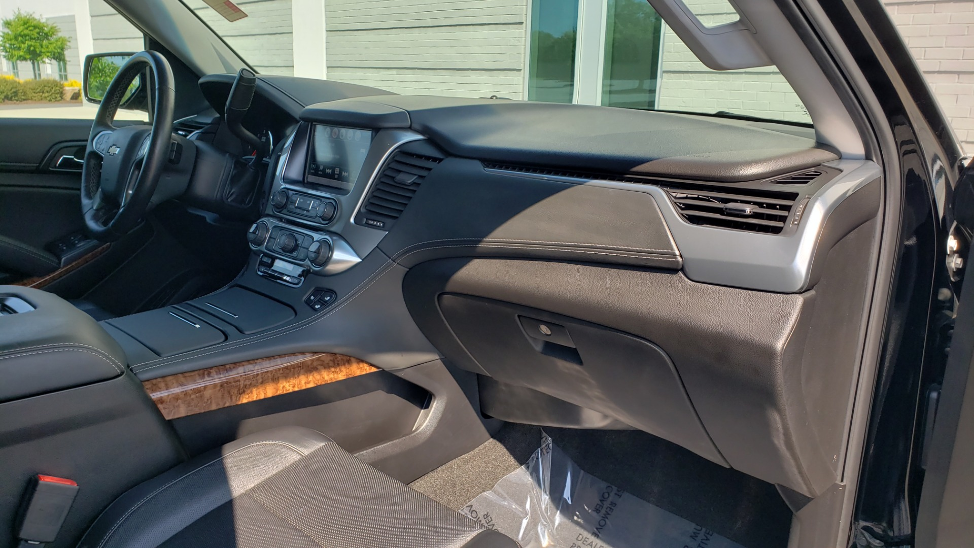Used 2018 Chevrolet TAHOE PREMIER RST / 4X4 / NAV / BOSE / SUNROOF / 3-ROW / REARVIEW for sale $65,995 at Formula Imports in Charlotte NC 28227 76